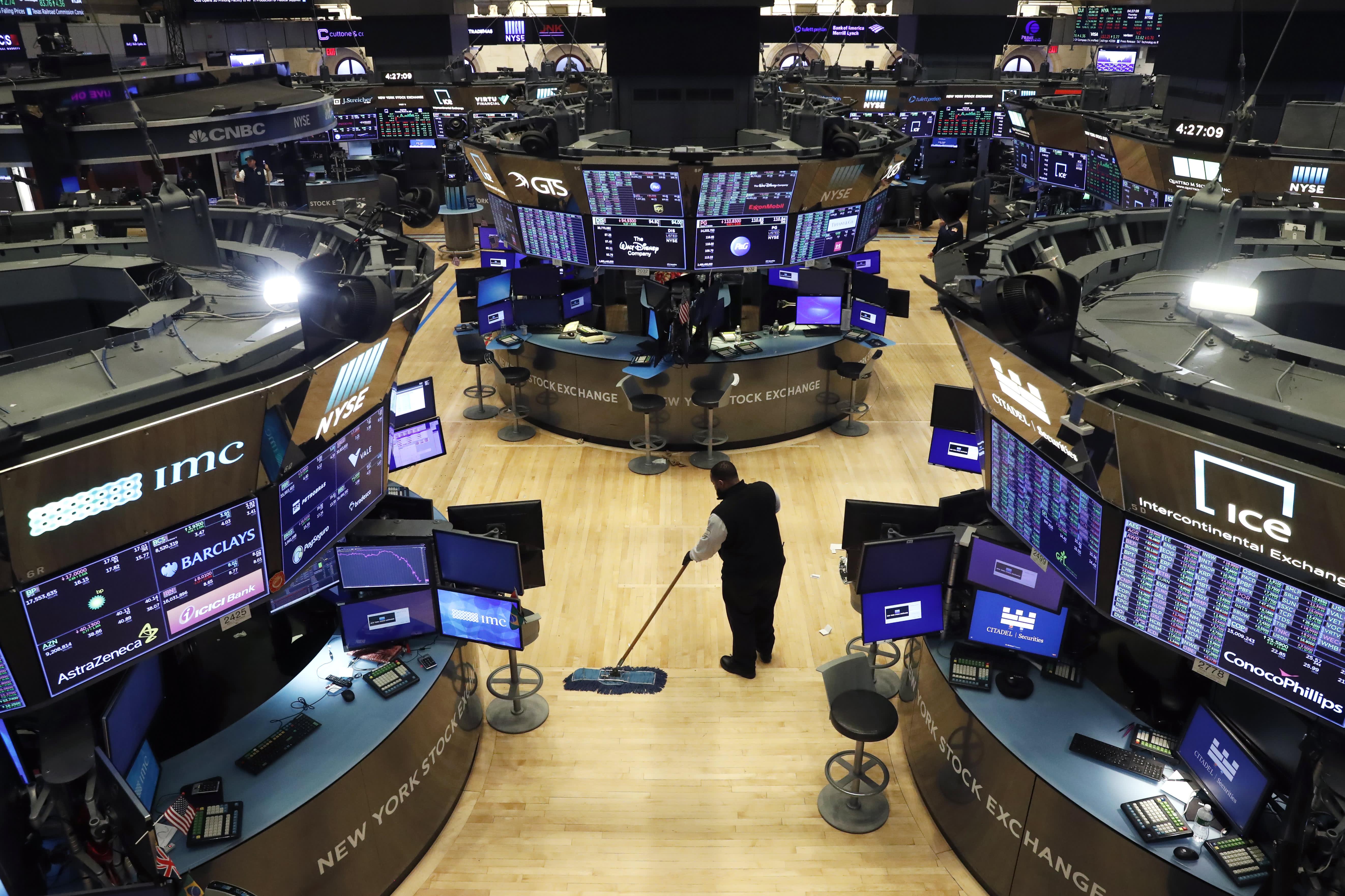 Coronavirus: Traders adapt to working