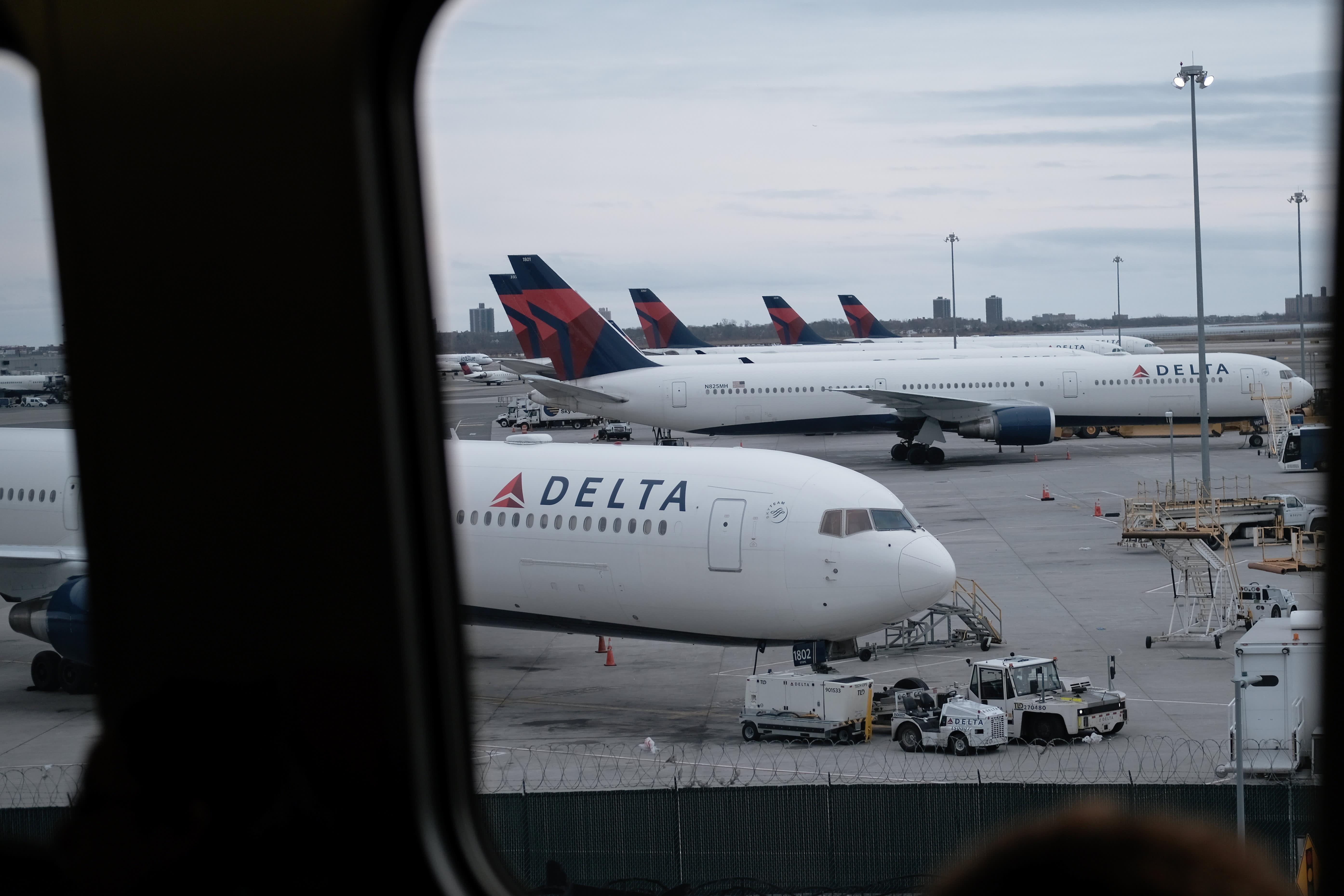 Delta warns second-quarter revenue to fall $10 billion because of coronavirus