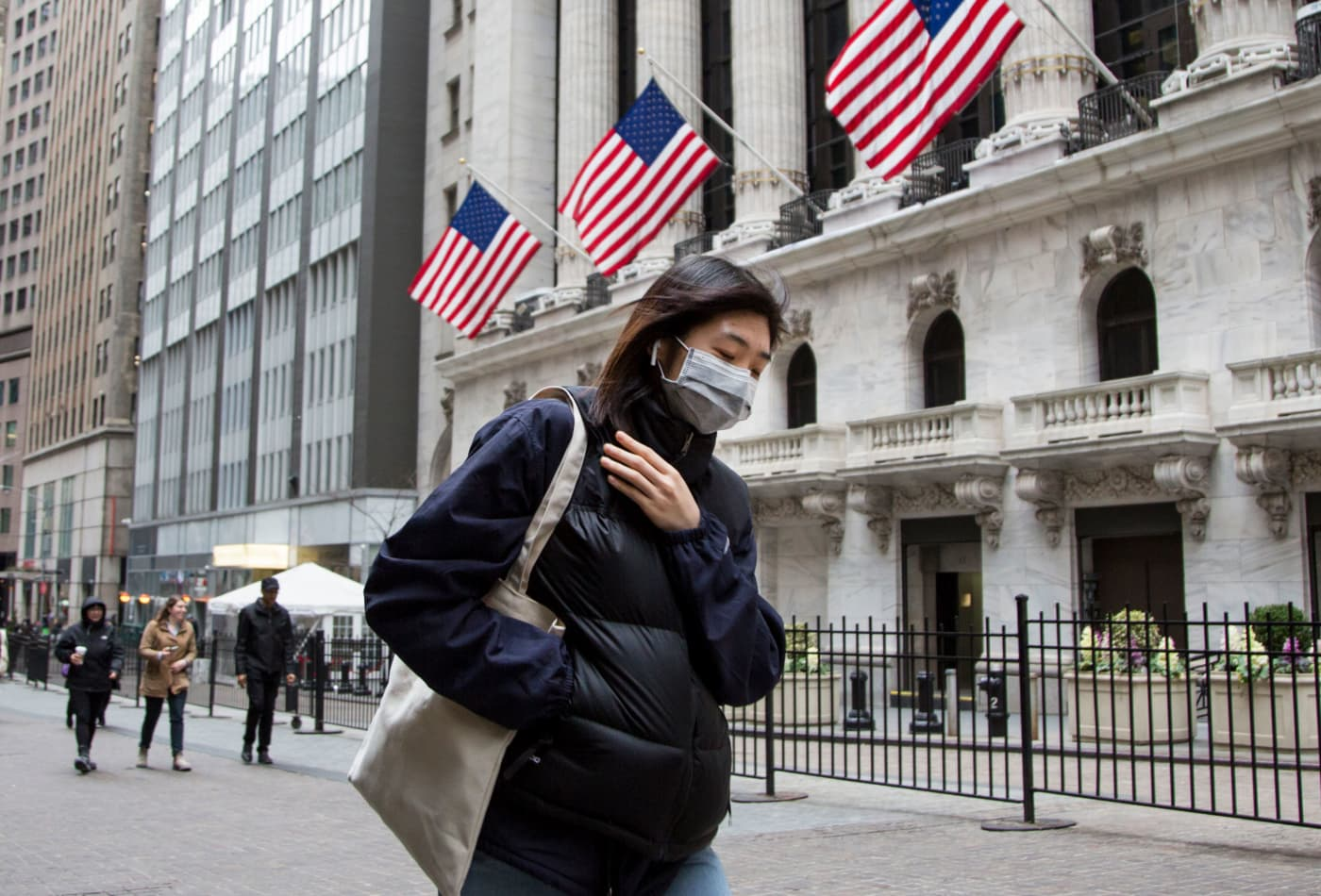 5 ways to ensure the coronavirus outbreak doesn't cripple your retirement savings