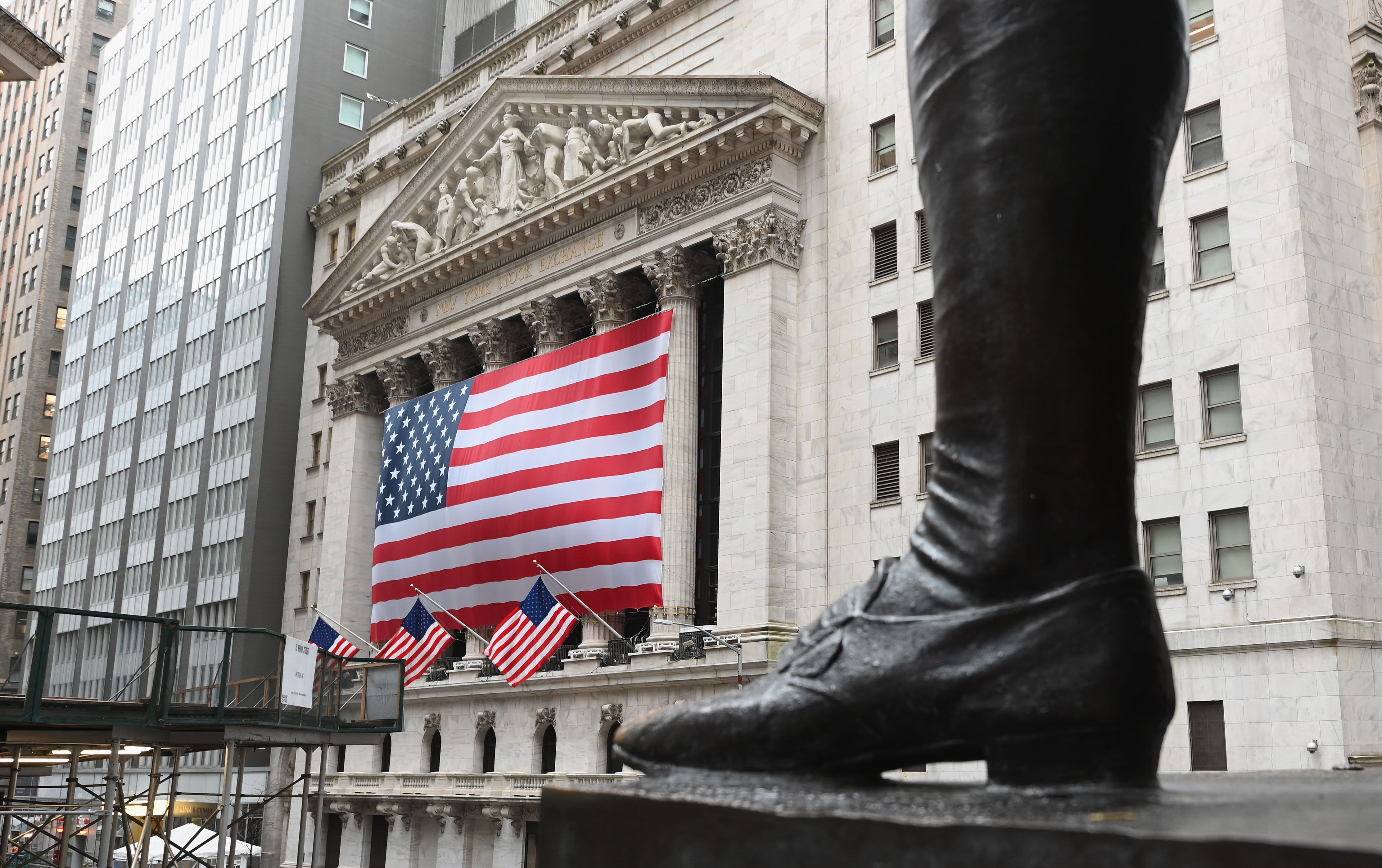 Stock market live updates: Futures slide, Trump China news conference looms