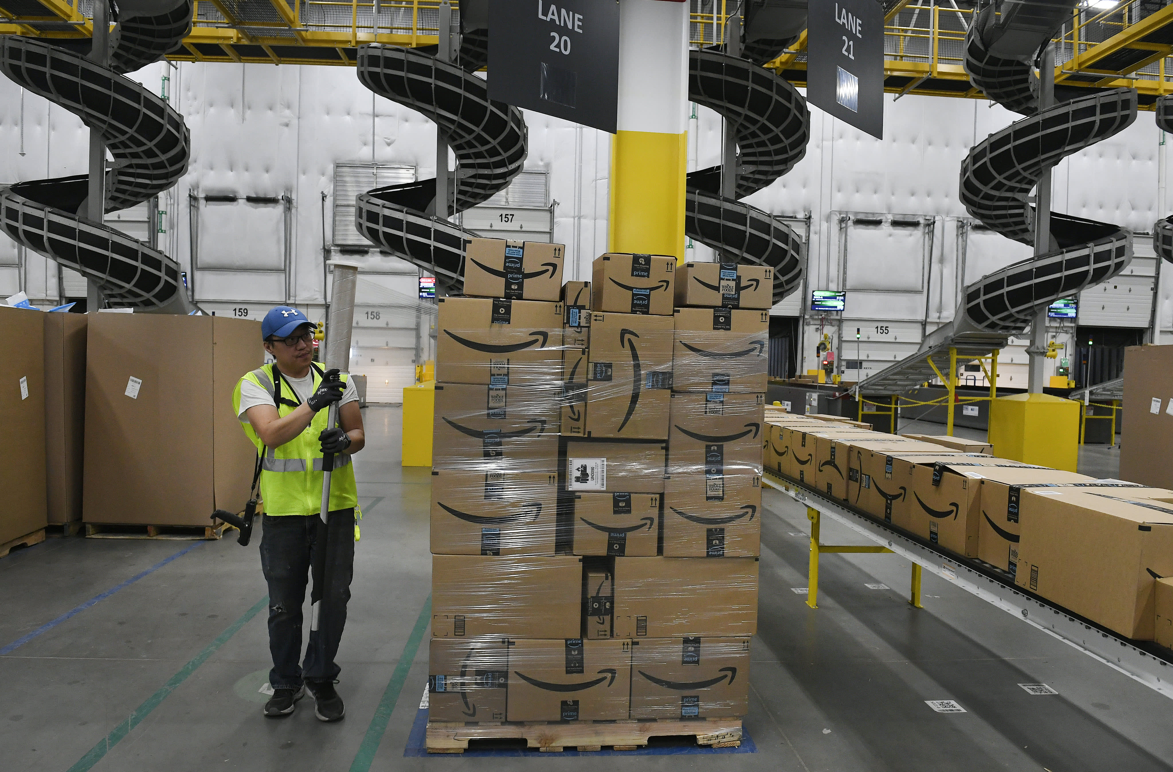 Amazon plans summer sale for June 22 to 'jumpstart sales' after coronavirus crunch