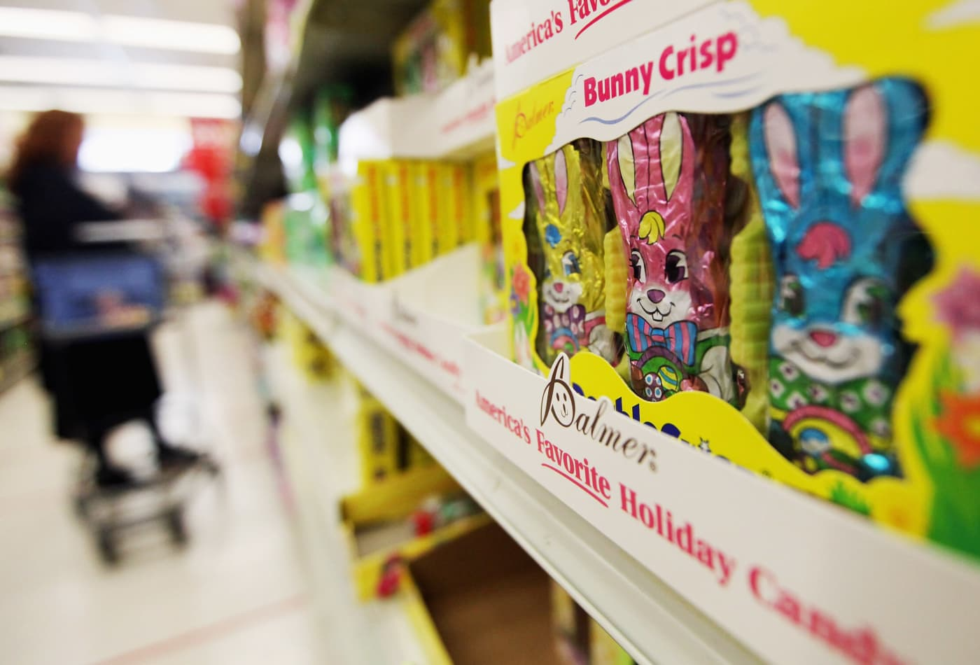 Parents look to create a 'magical' Easter, as coronavirus changes the holiday celebration