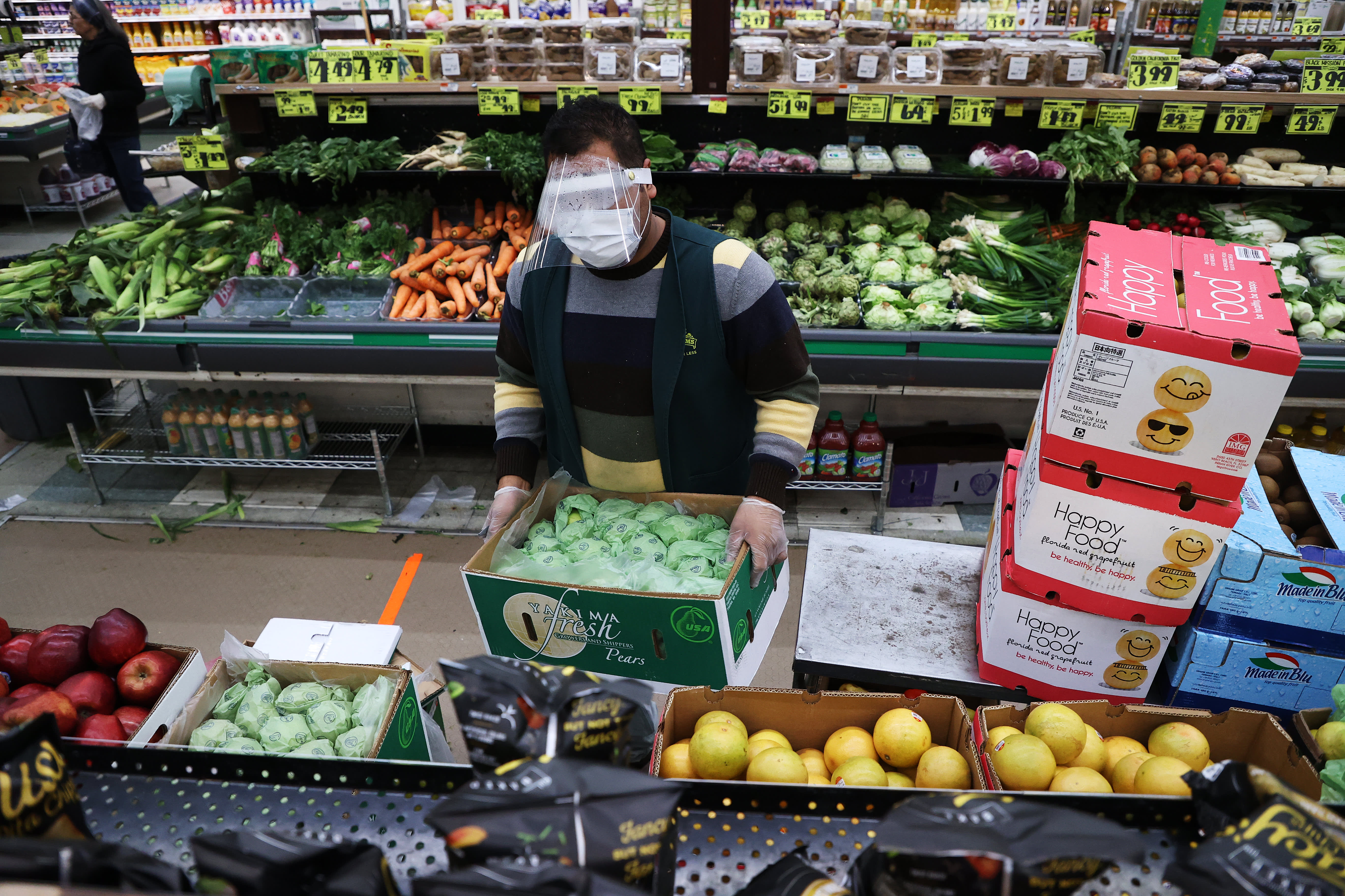 Grocery And Delivery Workers Demand More Coronavirus Protection Say Pay Isn T Enough