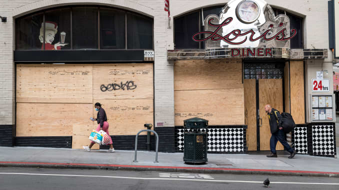 GP: Coronavirus Businesses Lock Up Store Fronts As San Francisco Fights Coronavirus - 106469872