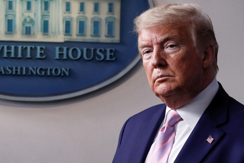 Trump considering halting US flights between 'hot spots'