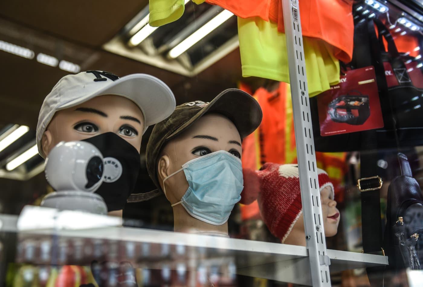 New York fashion icons embrace Cuomo's coronavirus mask challenge