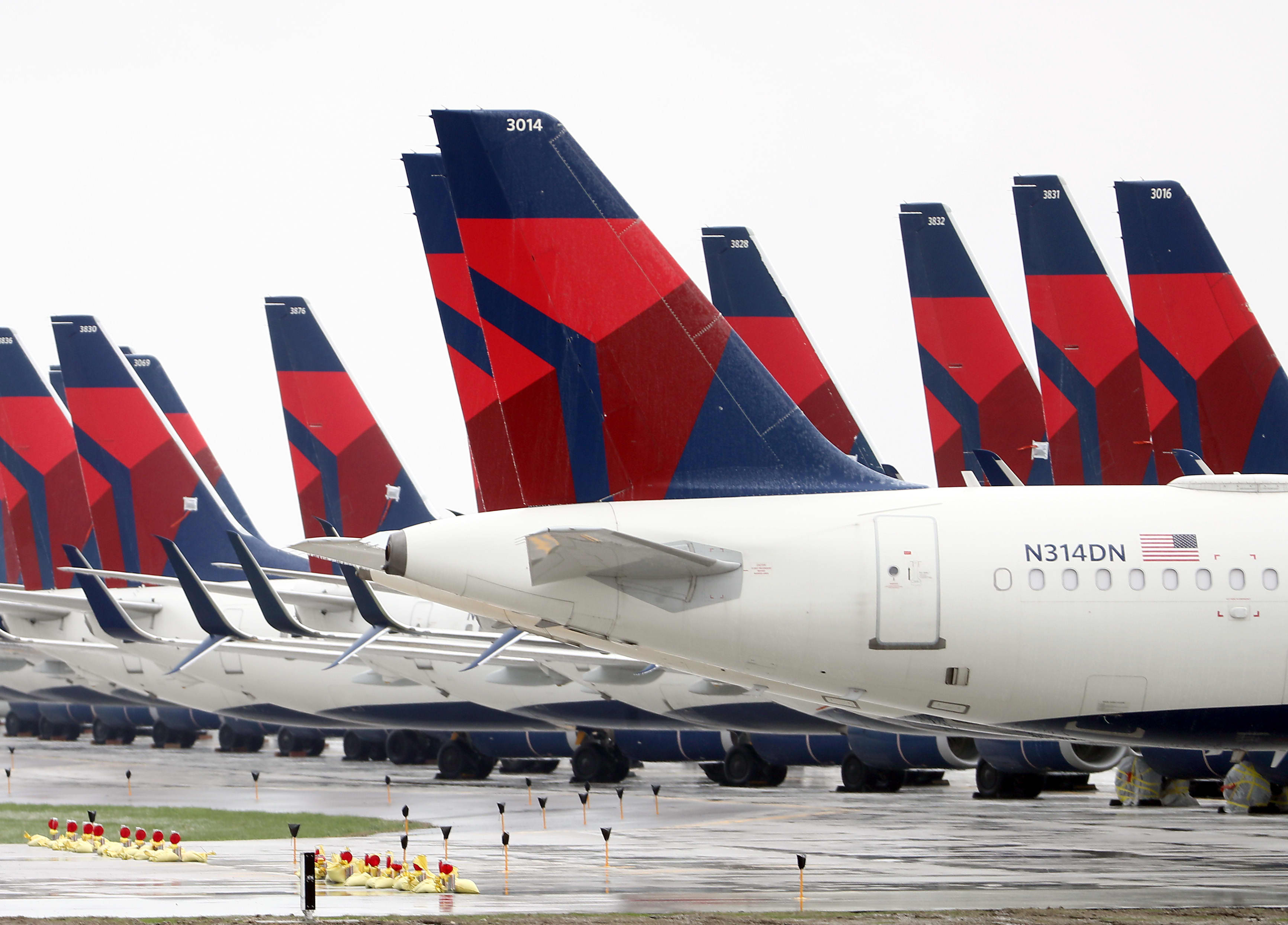Delta (DAL) posts 1Q20 loss of $607 million as coronavirus hurts travel demand