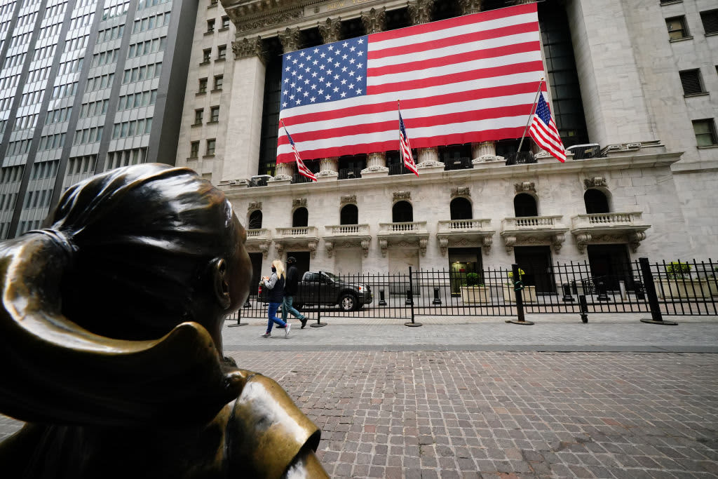 U.S. stock futures fall, with Wall Street set to give back some of May's strong gains