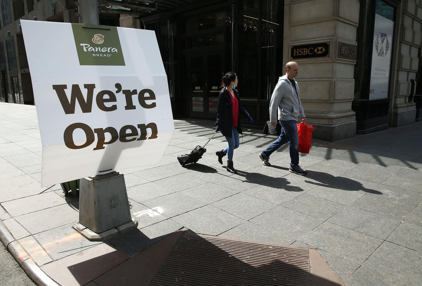 Panera Bread is selling groceries as restaurant sales plummet