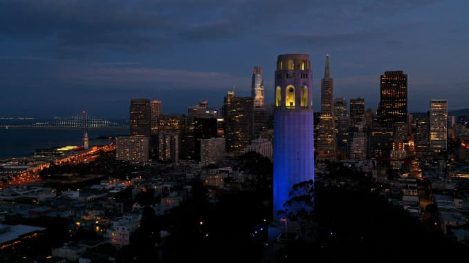 GP: Coronavirus Landmarks Illuminated In Blue To Honor Essential Workers: Coit Tower SF Claif