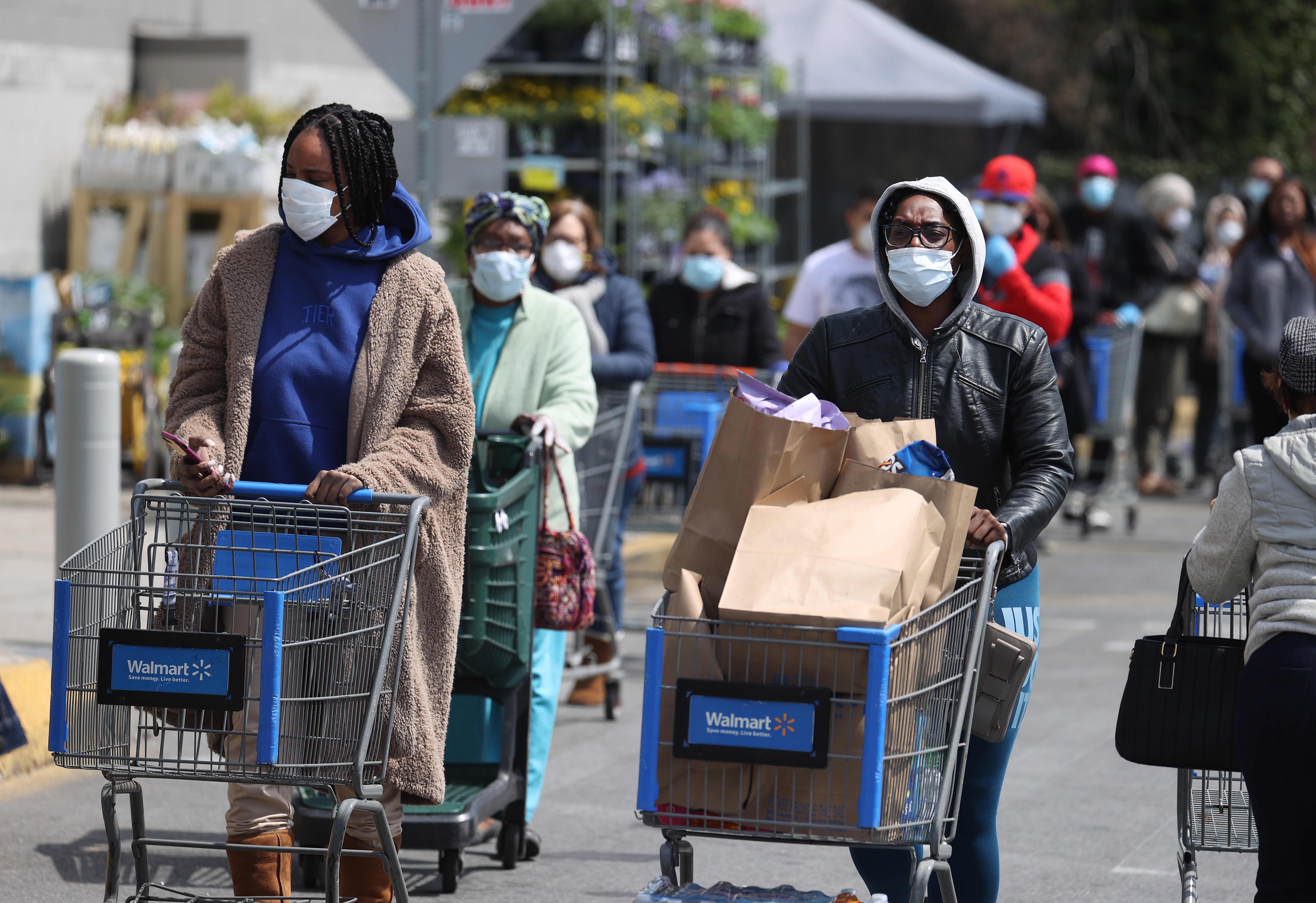 Walmart to require associates to wear masks at work