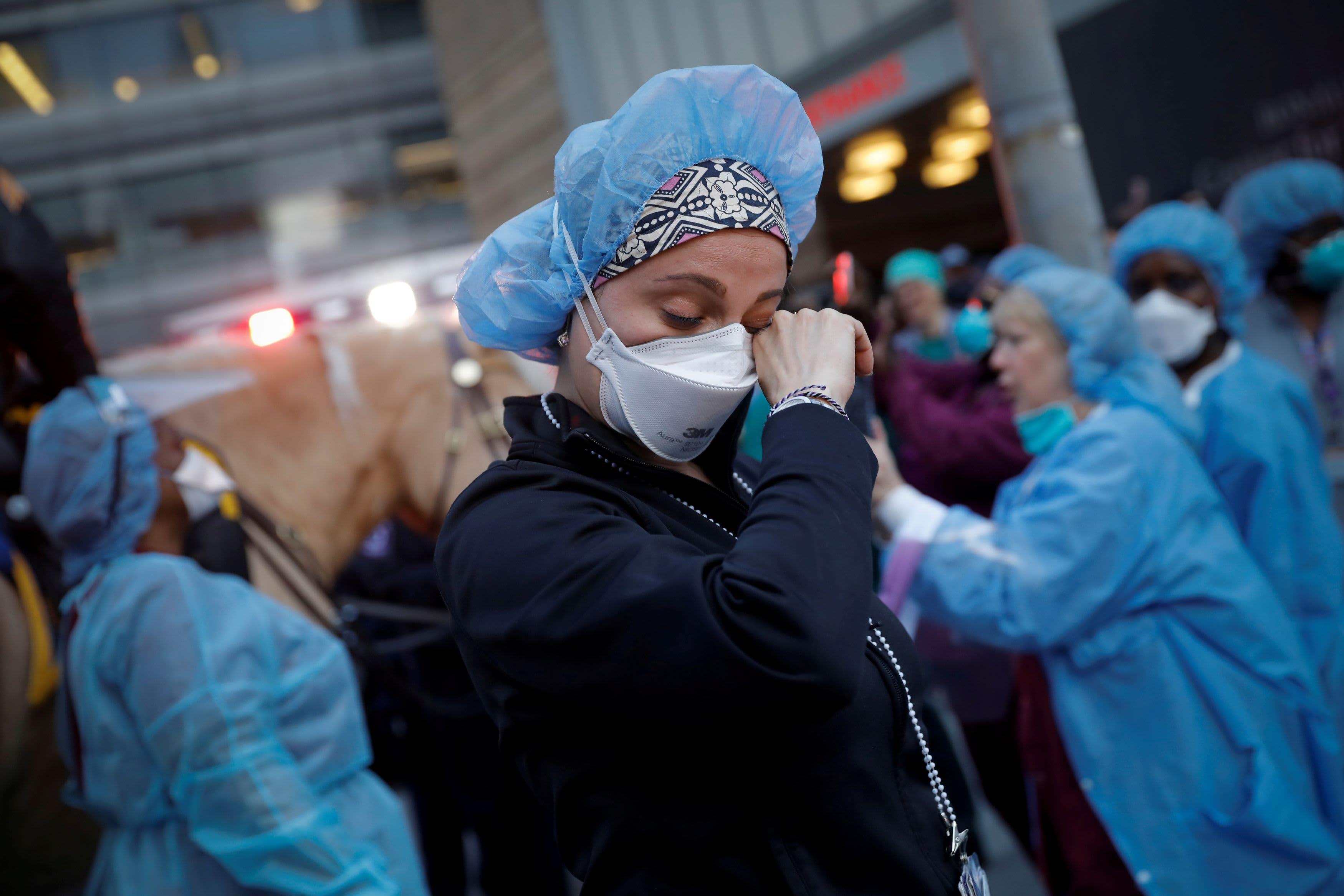 Coronavirus updates: US death toll surpasses 40,000 as cases hit 750,000