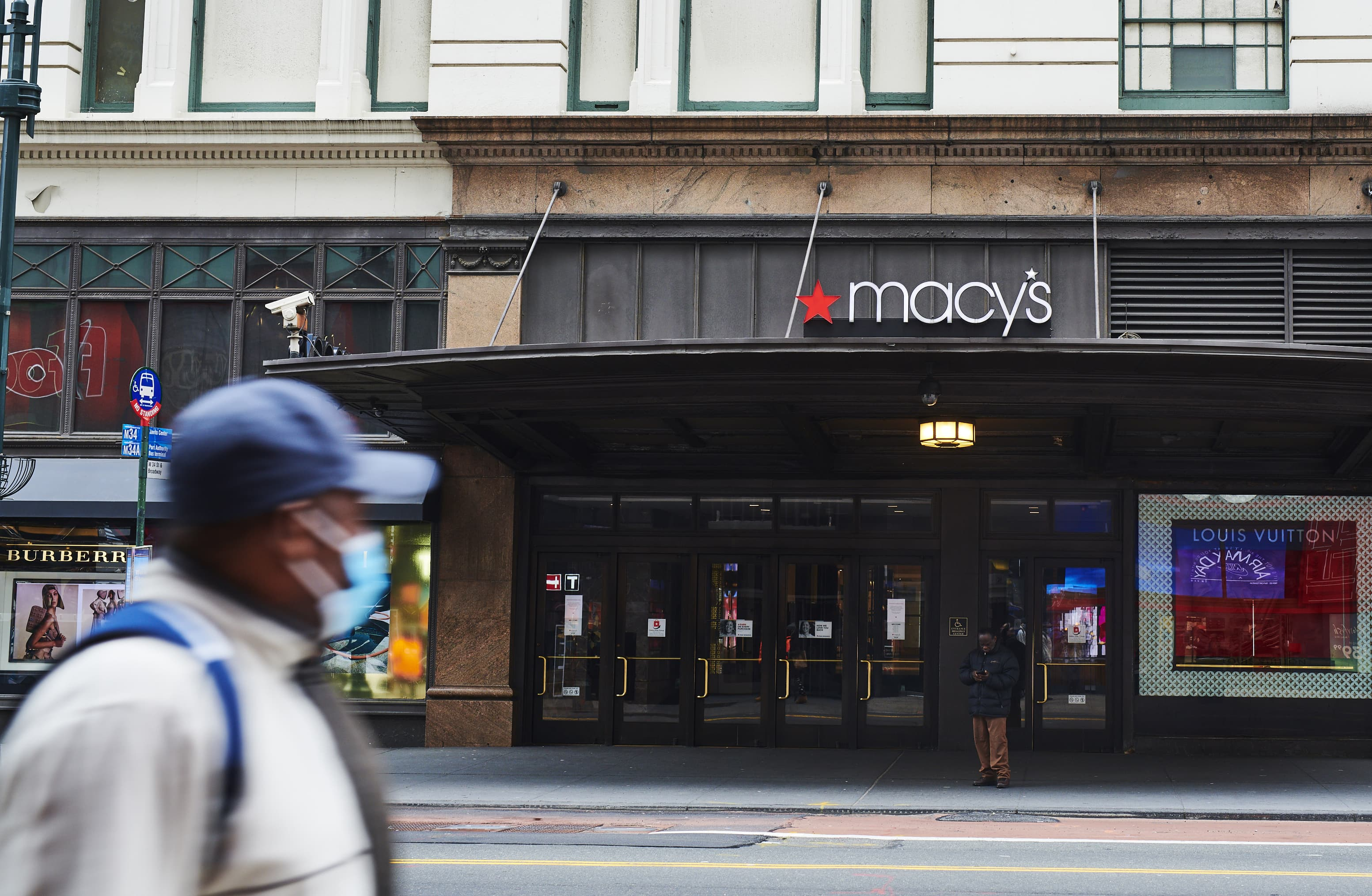 Macy's says it plans to have all of its stores reopened in 6 weeks