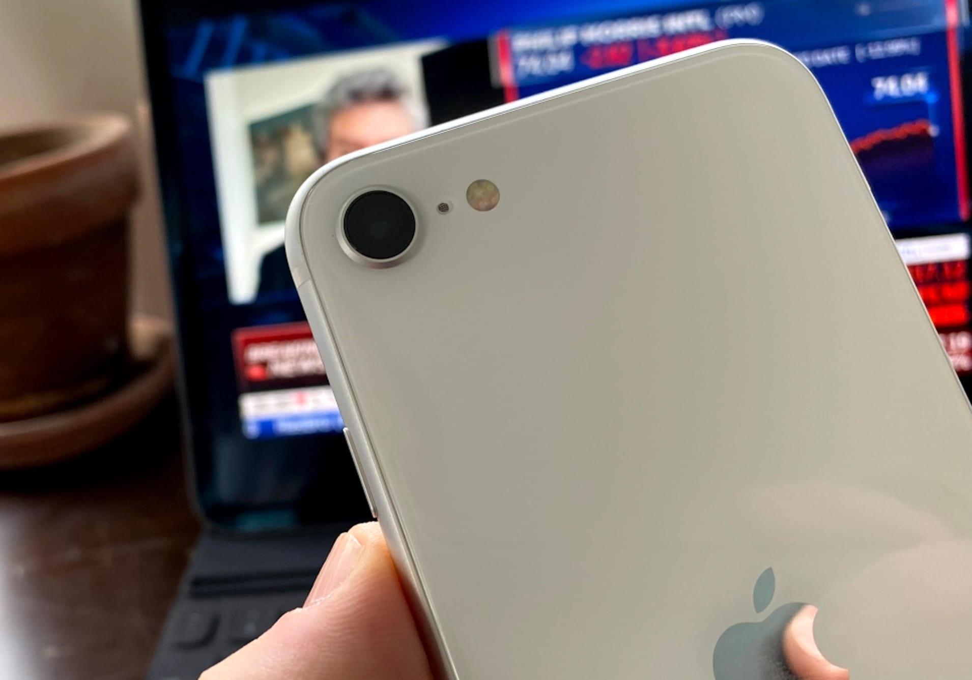 CNBC Tech: iPhone SE review 2020 2