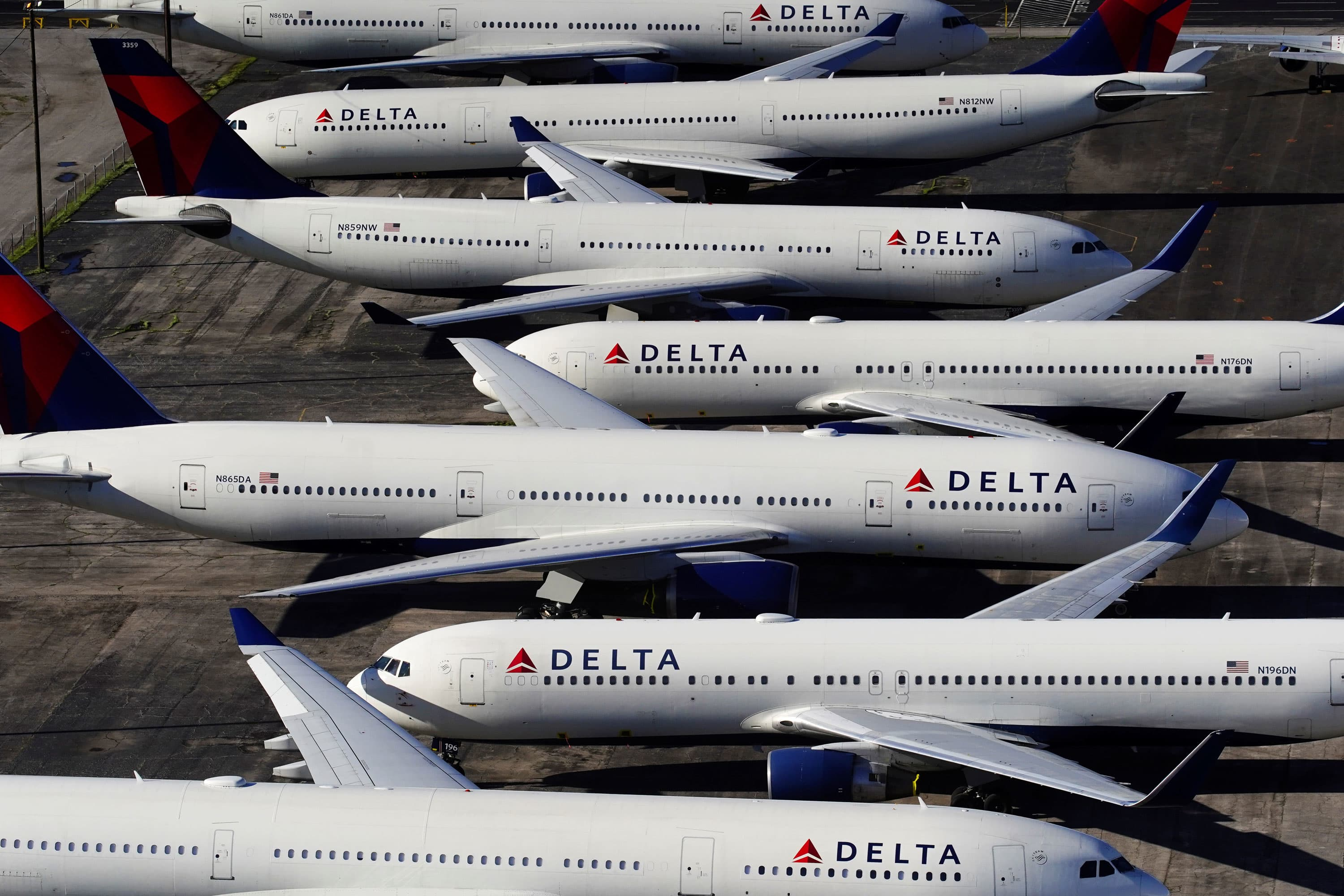 US airlines set to report their first losses in years as travel demand falls