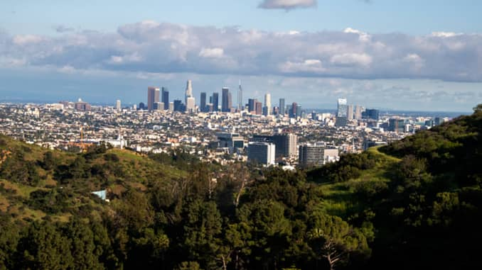 GP: Coronavirus Environment: Clear skies in Los Angeles. amid Coronavirus Outbreak