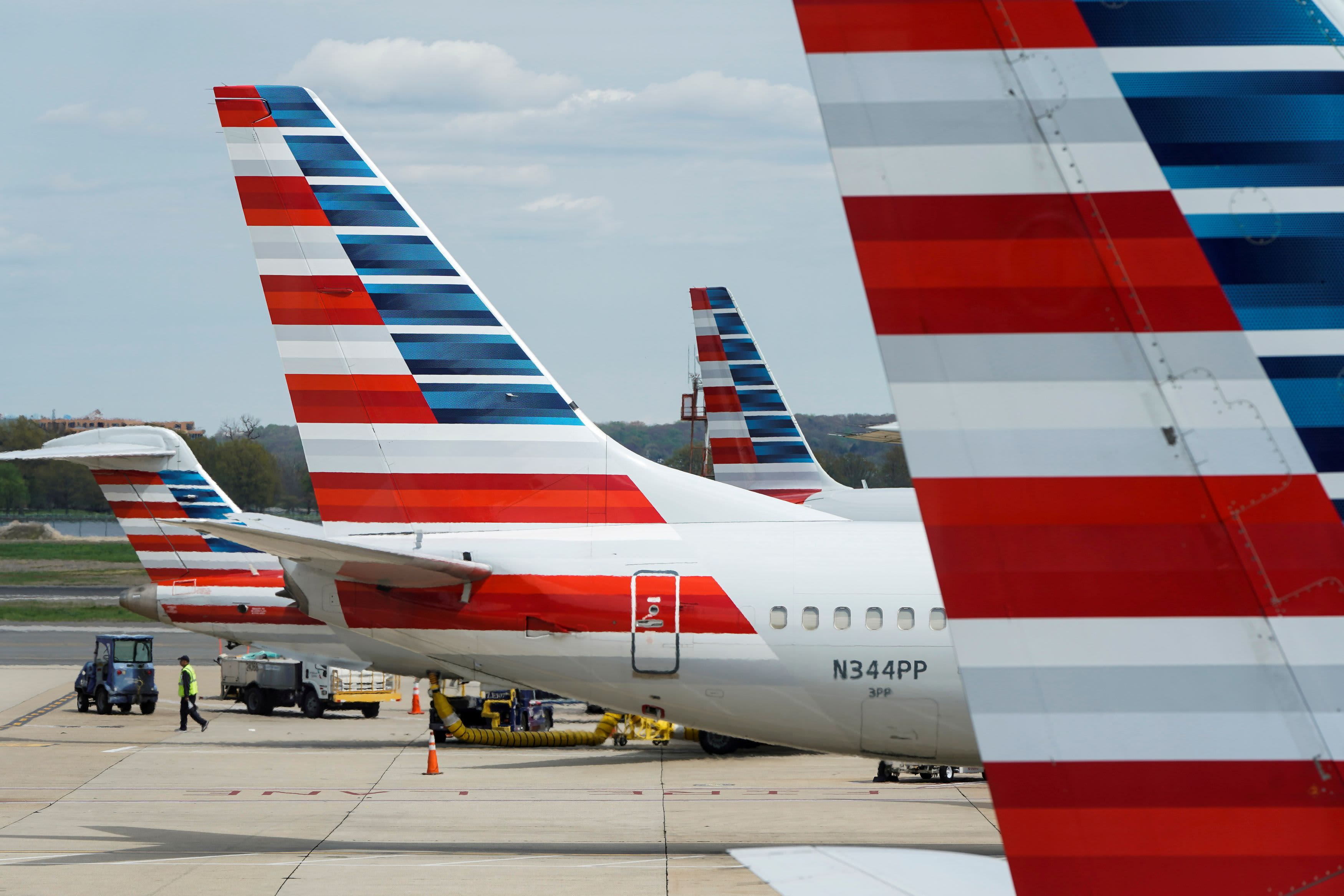 American Airlines will give face masks to passengers, require them for flight attendants amid coronavirus