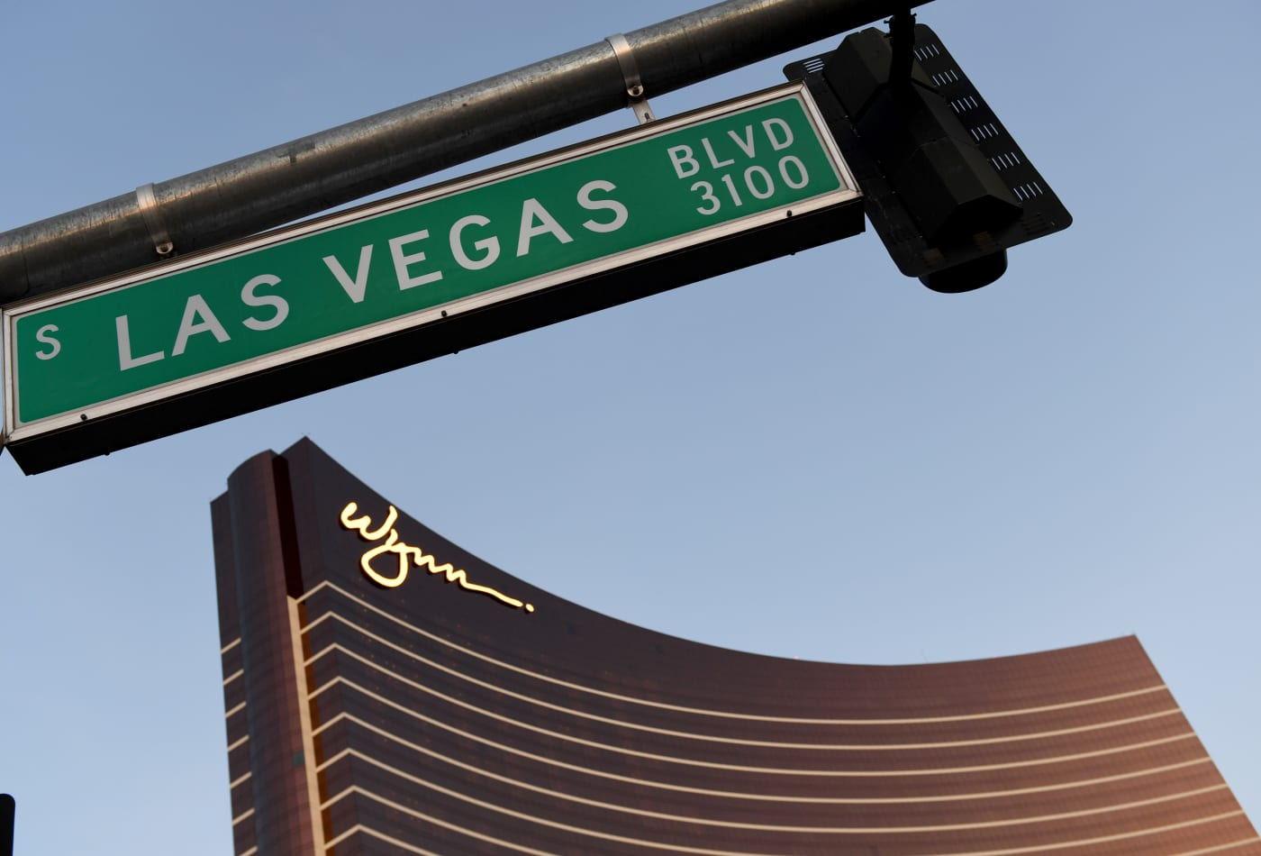 Wynn says vaccinated workers and guests can ditch masks in Nevada casinos