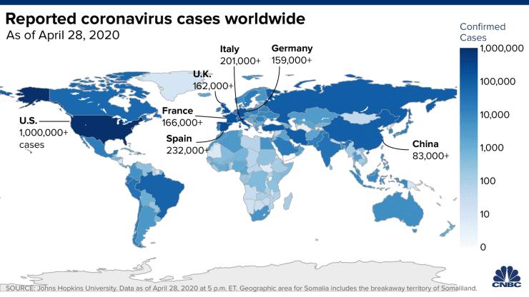 US coronavirus cases top 1 million, lawmakers urge airlines to make face masks mandatory