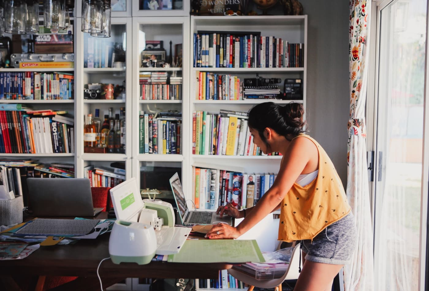 The most in-demand side hustles you can do from home, according to Fiverr and Upwork