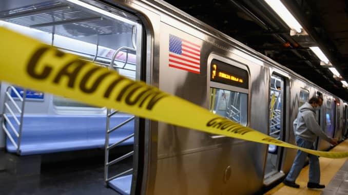 GP: Sinal de alerta do metrô de Nova York em 200429