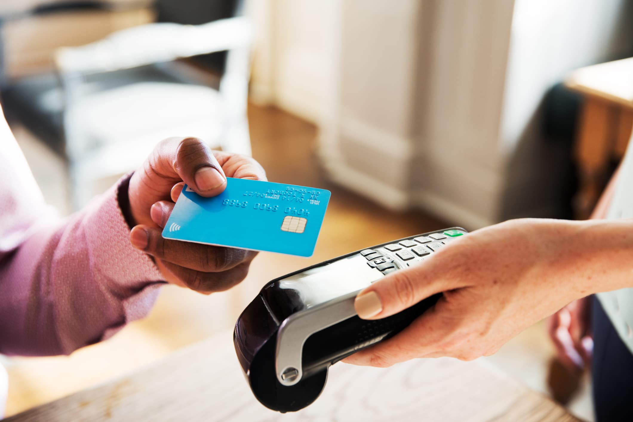 What Is a Contactless Credit Card and How to Get One
