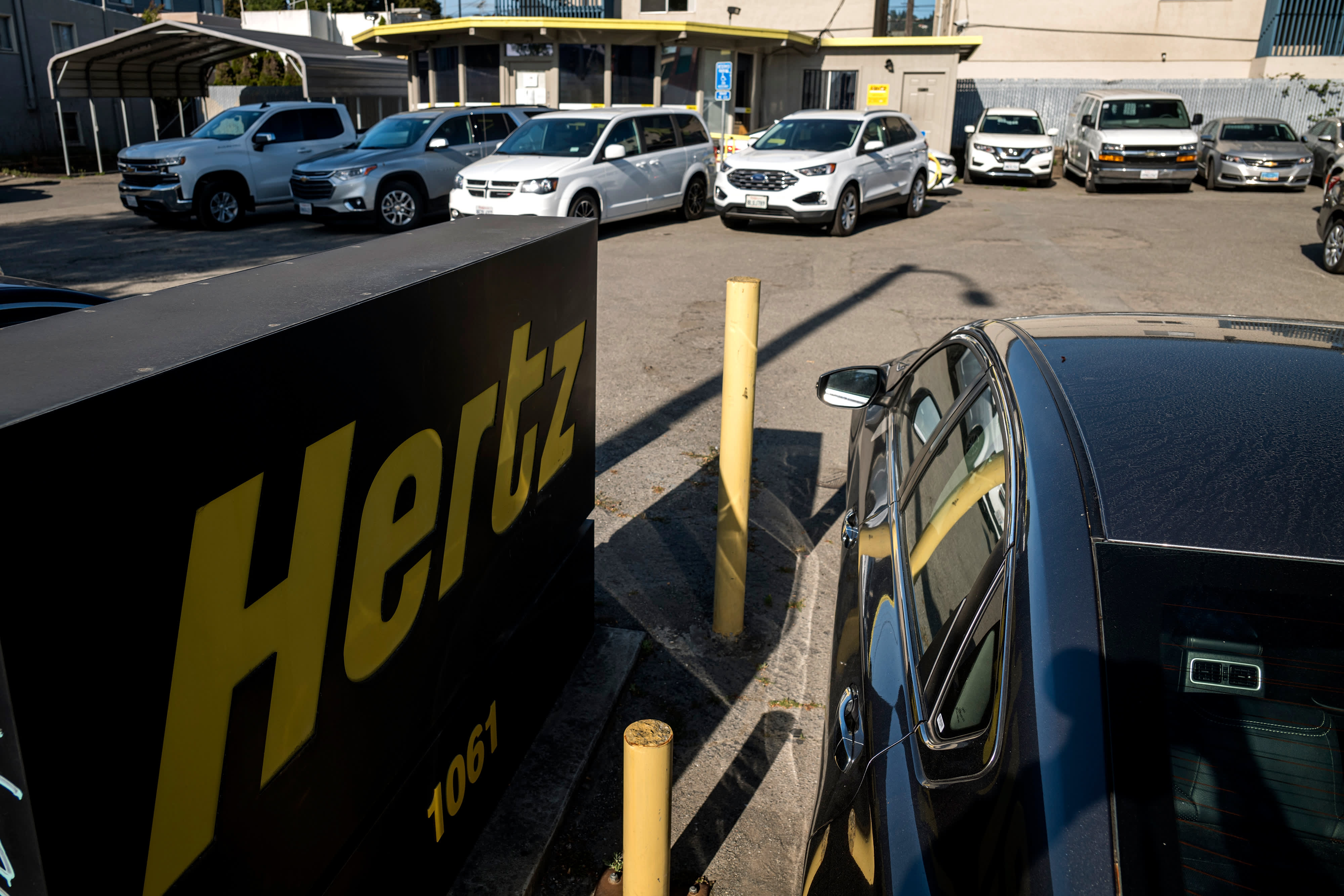 Hertz bankruptcy, distressed rental car market hurts U.S. automakers