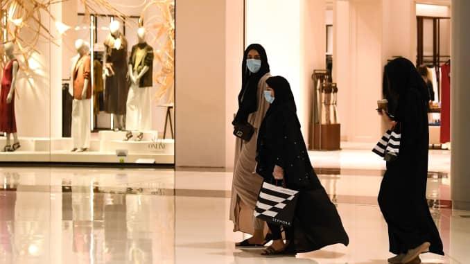 Coronavirus Dubai Reopen Gyms Movie Theaters Retail As Lockdown Eases