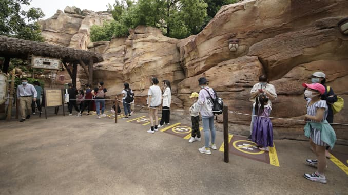 Guests must maintain three feet of distance while in lines.