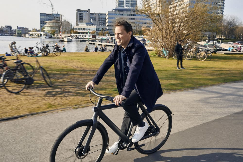 E-bikes and e-scooters poised to play key function lifting UK lockdown