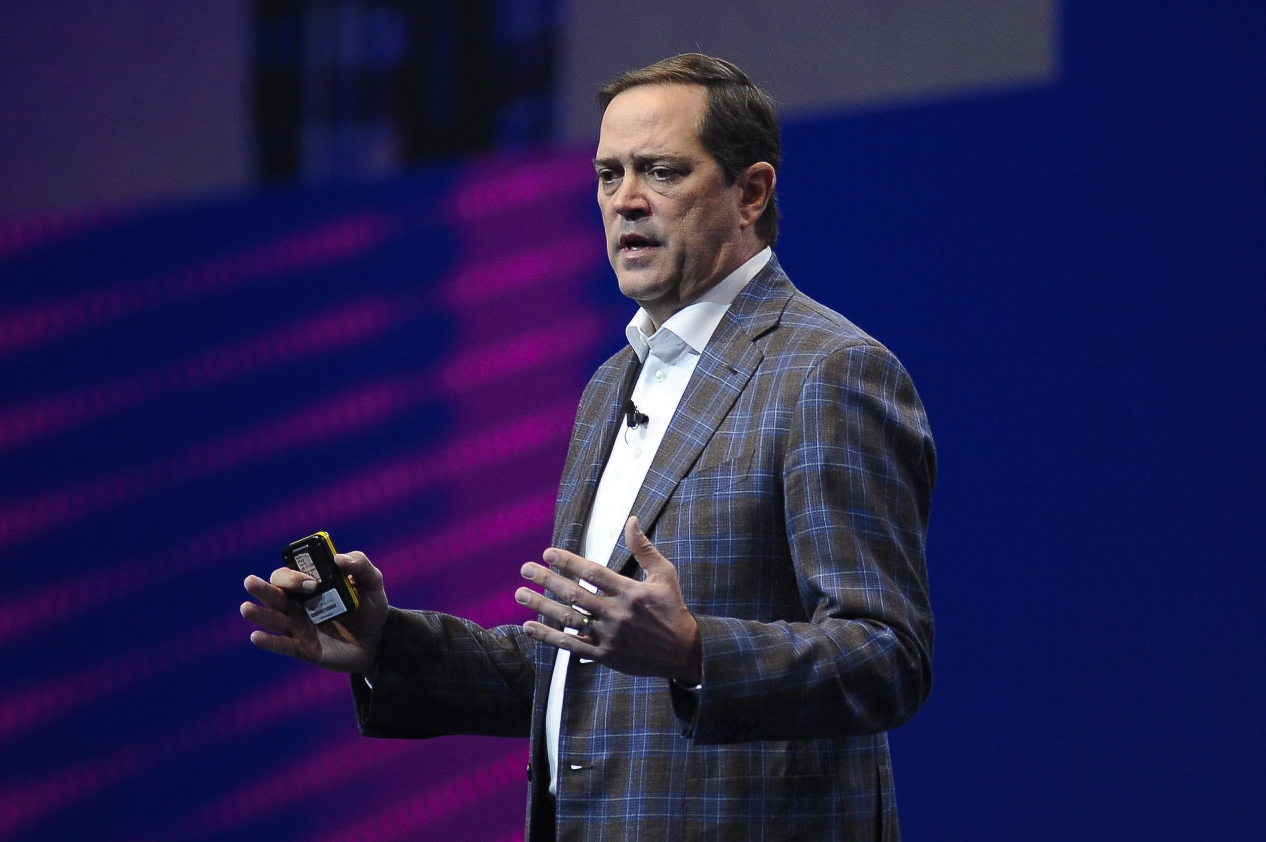 Cisco wants to use 3D so Webex meeting participants feel like they're in the room, CEO says - CNBC