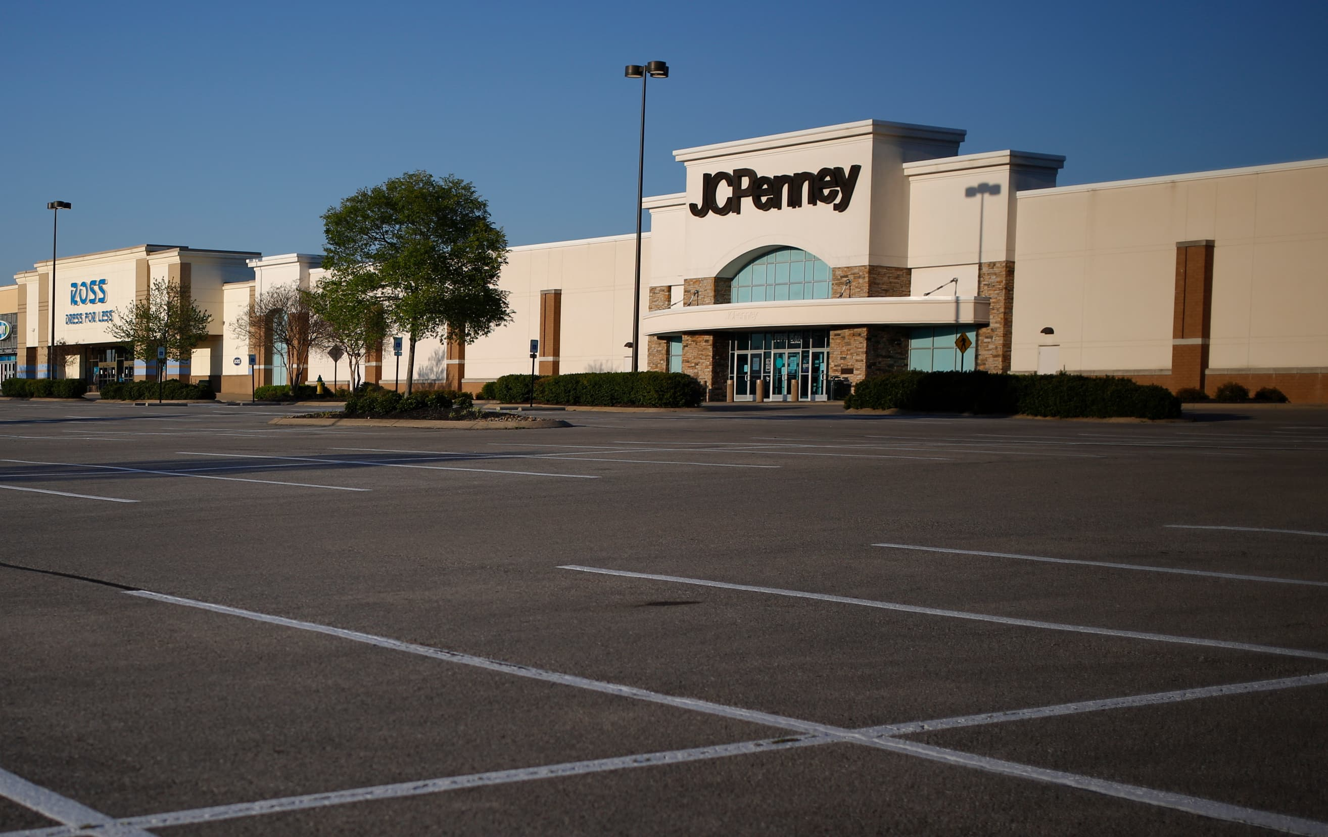 JC Penney hits 'stalemate' with potential buyers. Lenders to make bid for department store in bankruptcy