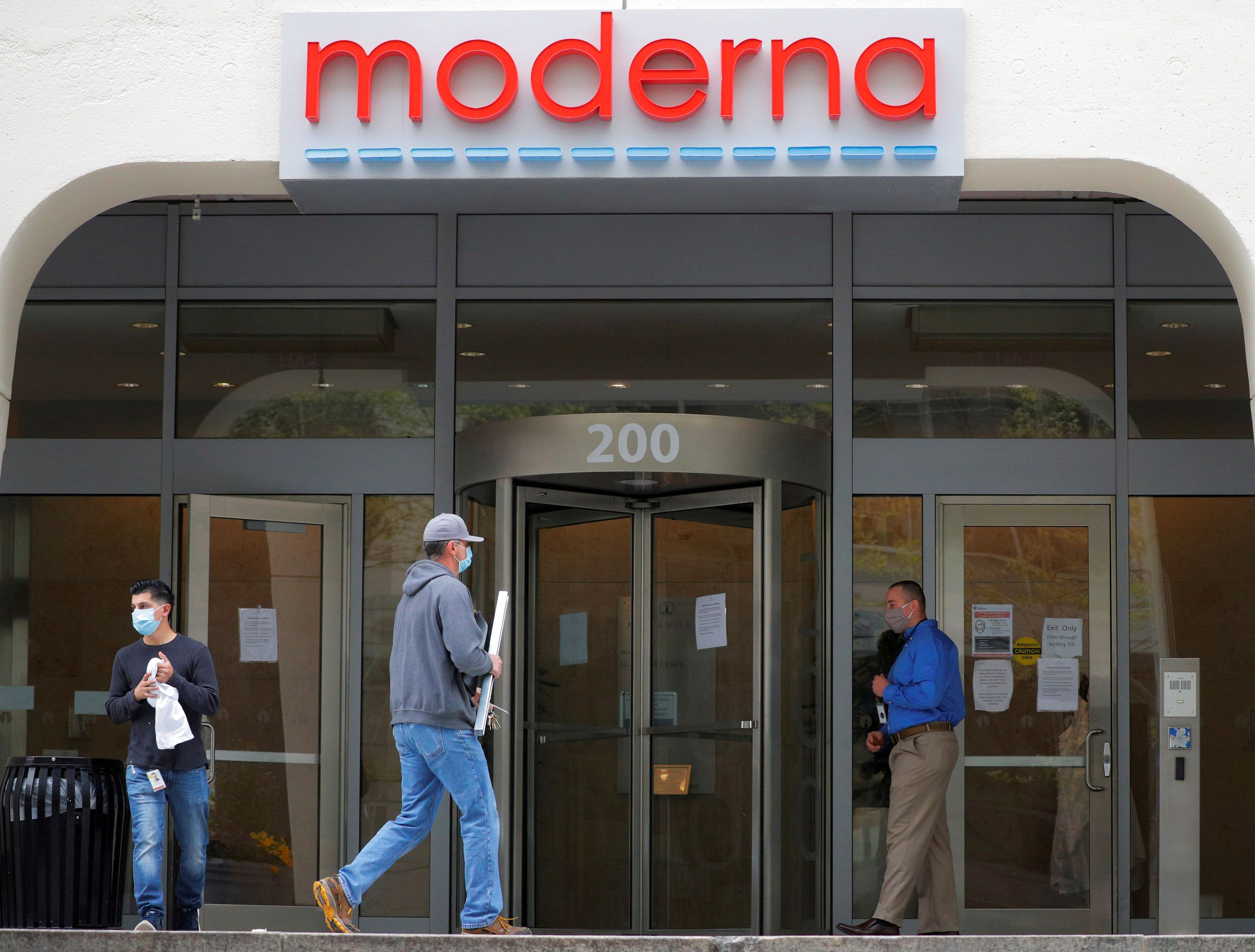 Moderna says it's preparing global launch of Covid vaccine as it takes in $1.1 billion in deposits