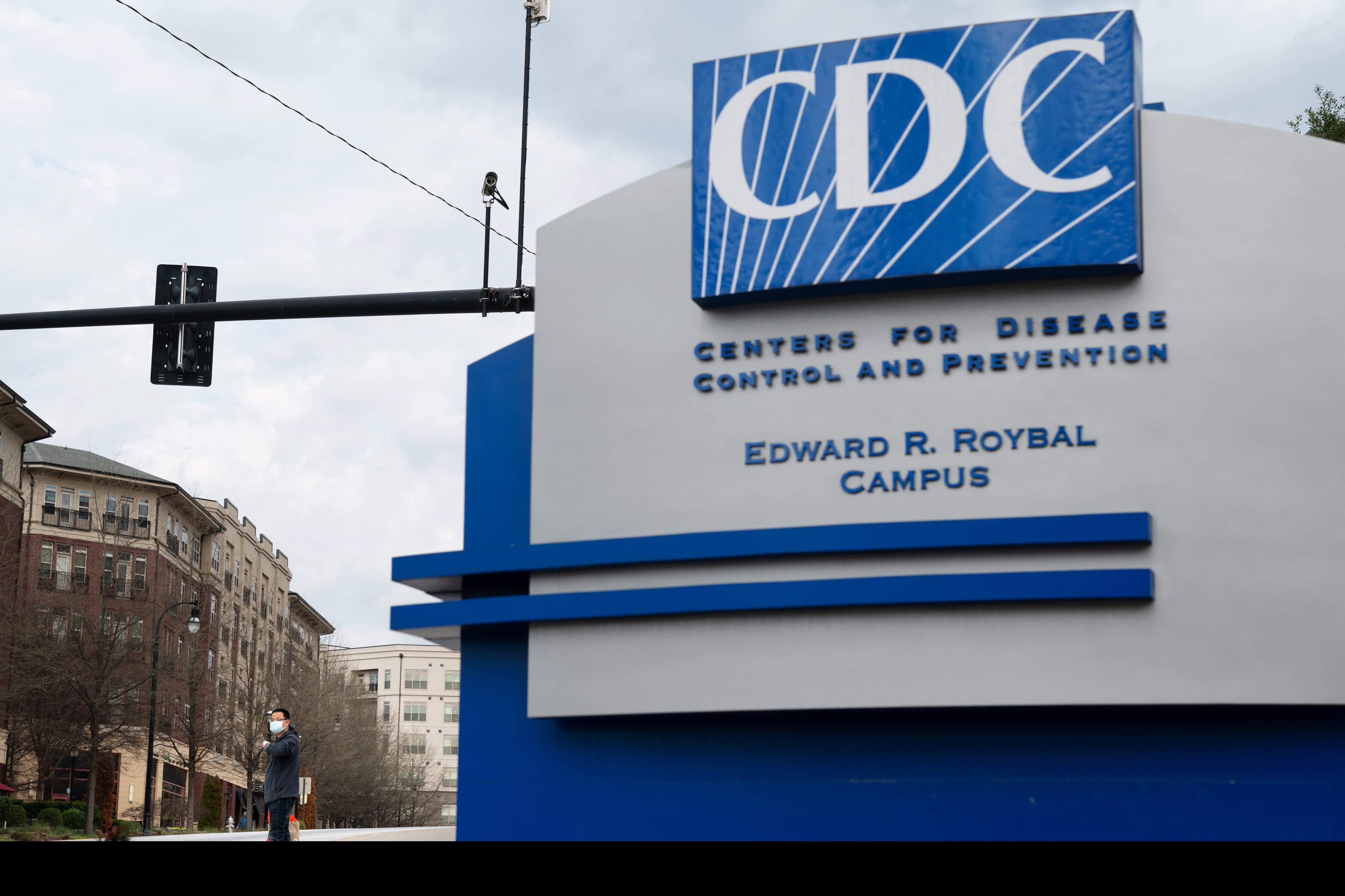 CDC panel recommends Pfizer Covid vaccine for people 16 years and older, clearing pivotal hurdle