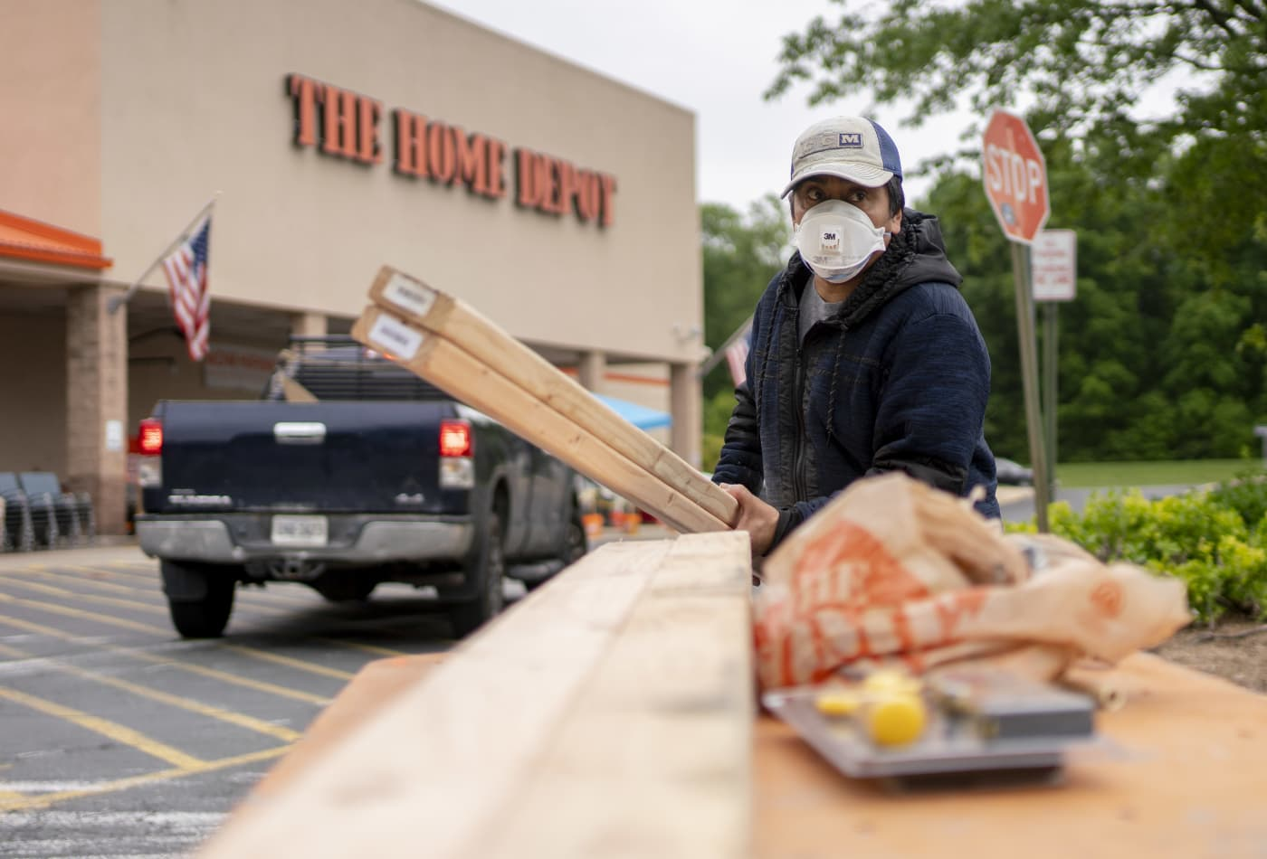 Oppenheimer downgrades Lowe's and Home Depot, says 'post-pandemic reset' coming for home improvement
