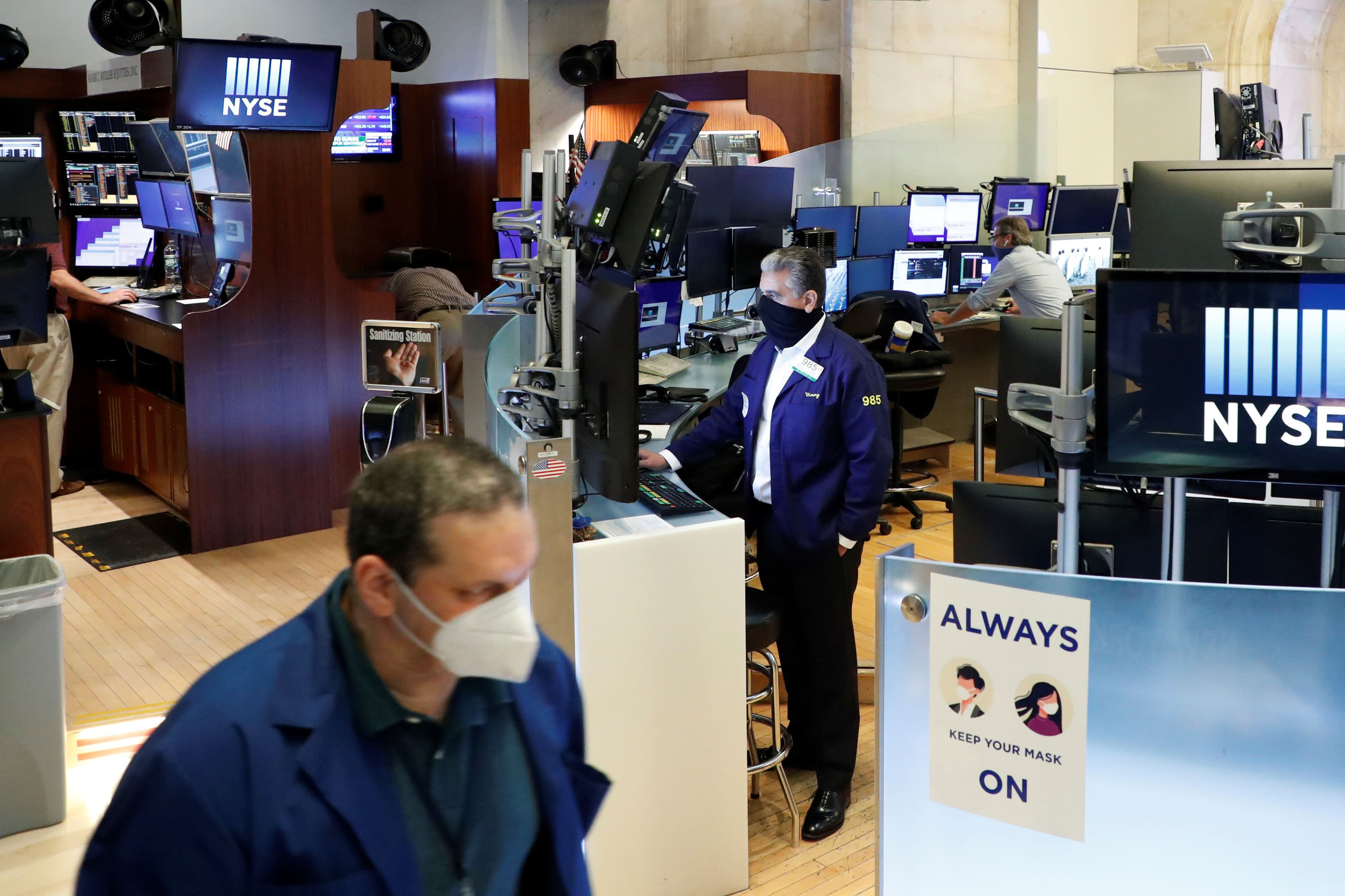 What happened to the stock market Wednesday: economic data lifts stocks