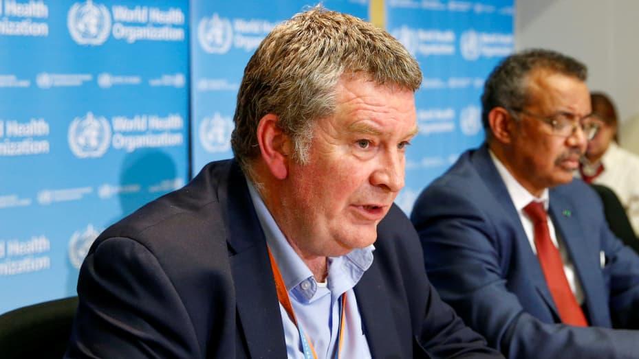 Dyrektor wykonawczy programu kryzysowego Światowej Organizacji Zdrowia (WHO) Mike Ryan przemawia na konferencji prasowej na temat nowego koronawirusa (2019-nCoV) w Genewie, Szwajcaria, 6 lutego 2020 r.