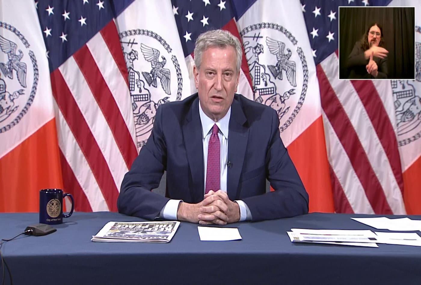 New York Mayor Bill de Blasio calls for investigation into police misconduct