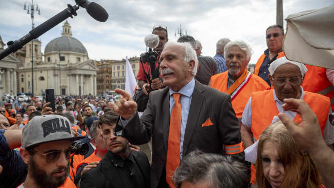 "Former Carabinieri General Antonio Pappalardo, leader of the new political movement ""Orange Vests"" (Gilet Arancioni) addresses the media at a rally in Rome on June 2, 2020."
