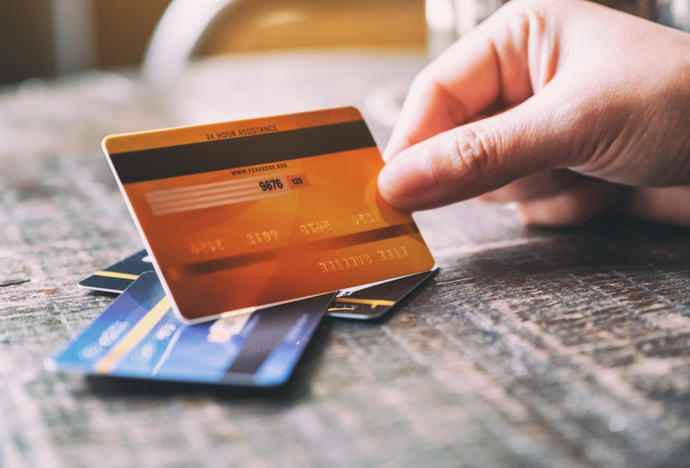 Here's how having multiple credit cards affects your credit score