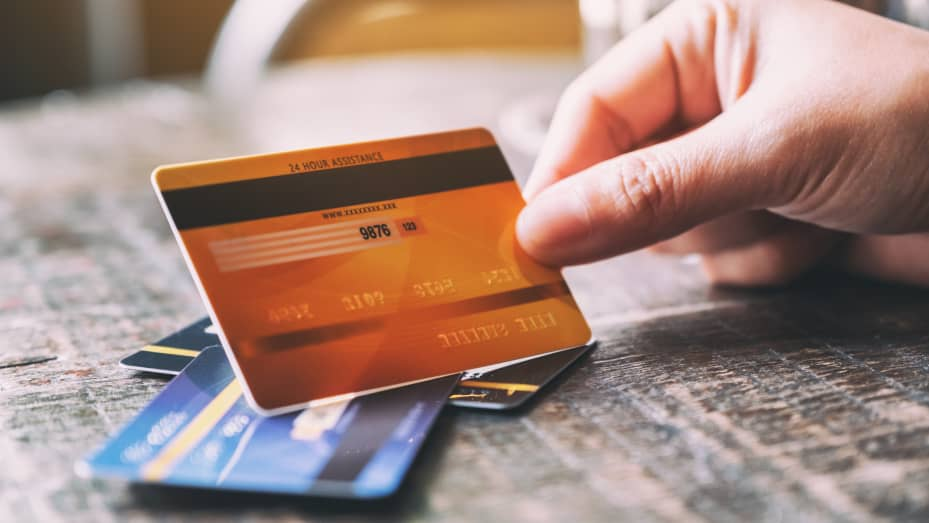 How Having Multiple Credit Cards Affects Your Credit Score