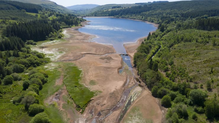 An aerial view of low water levels in the Llwyn-on reservoir in Taf Fawr valley on May 29, 2020 in Merthyr Tydfil, United Kingdom. The Met Office have said May is on course to be the driest in 124 years with only 14.3mm of rain since the month began - 17%