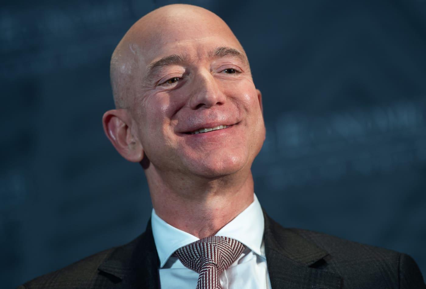 Bezos sells nearly $2 billion worth of Amazon shares