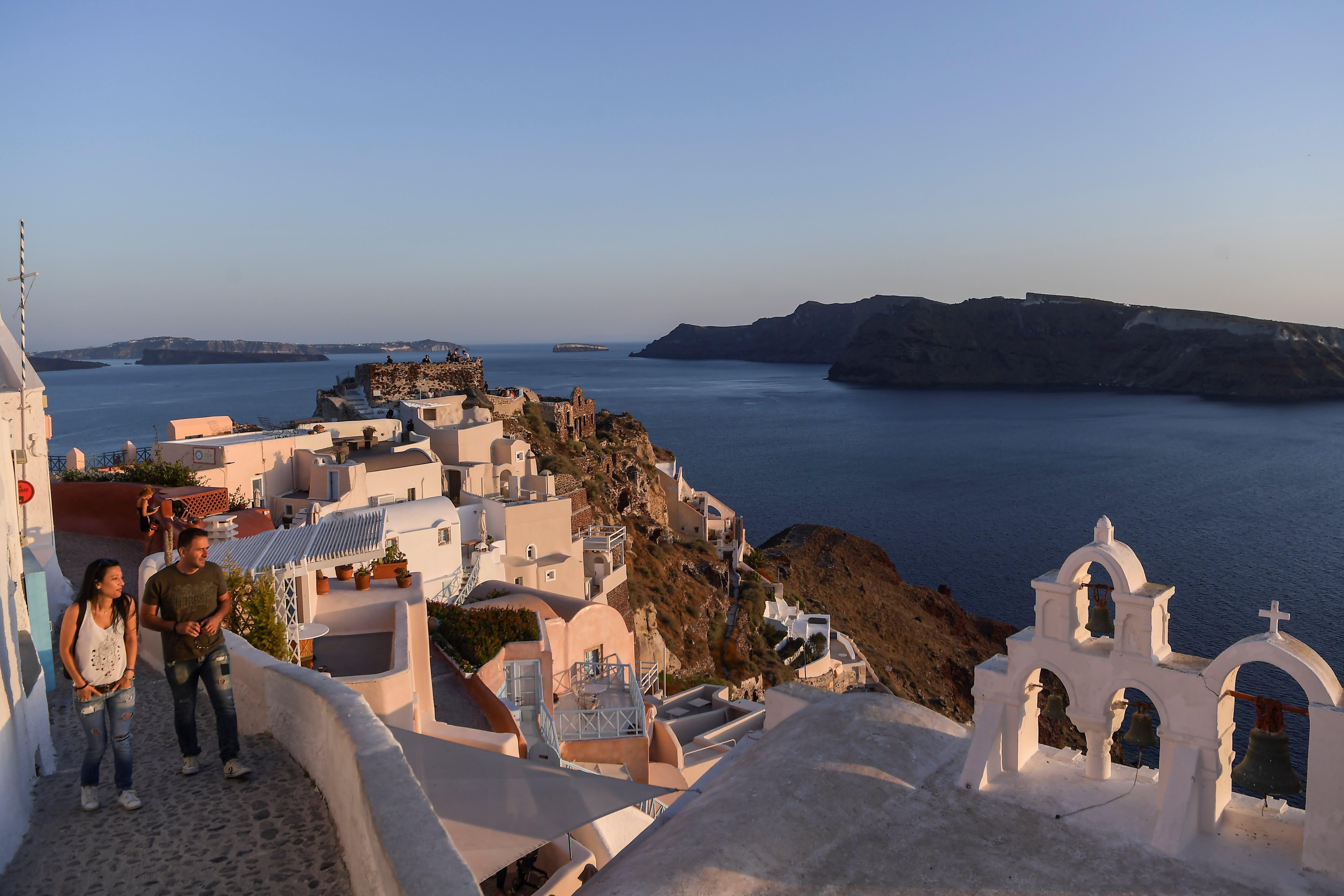 Greece restarts tourism; European vaccine deal totals $843 million