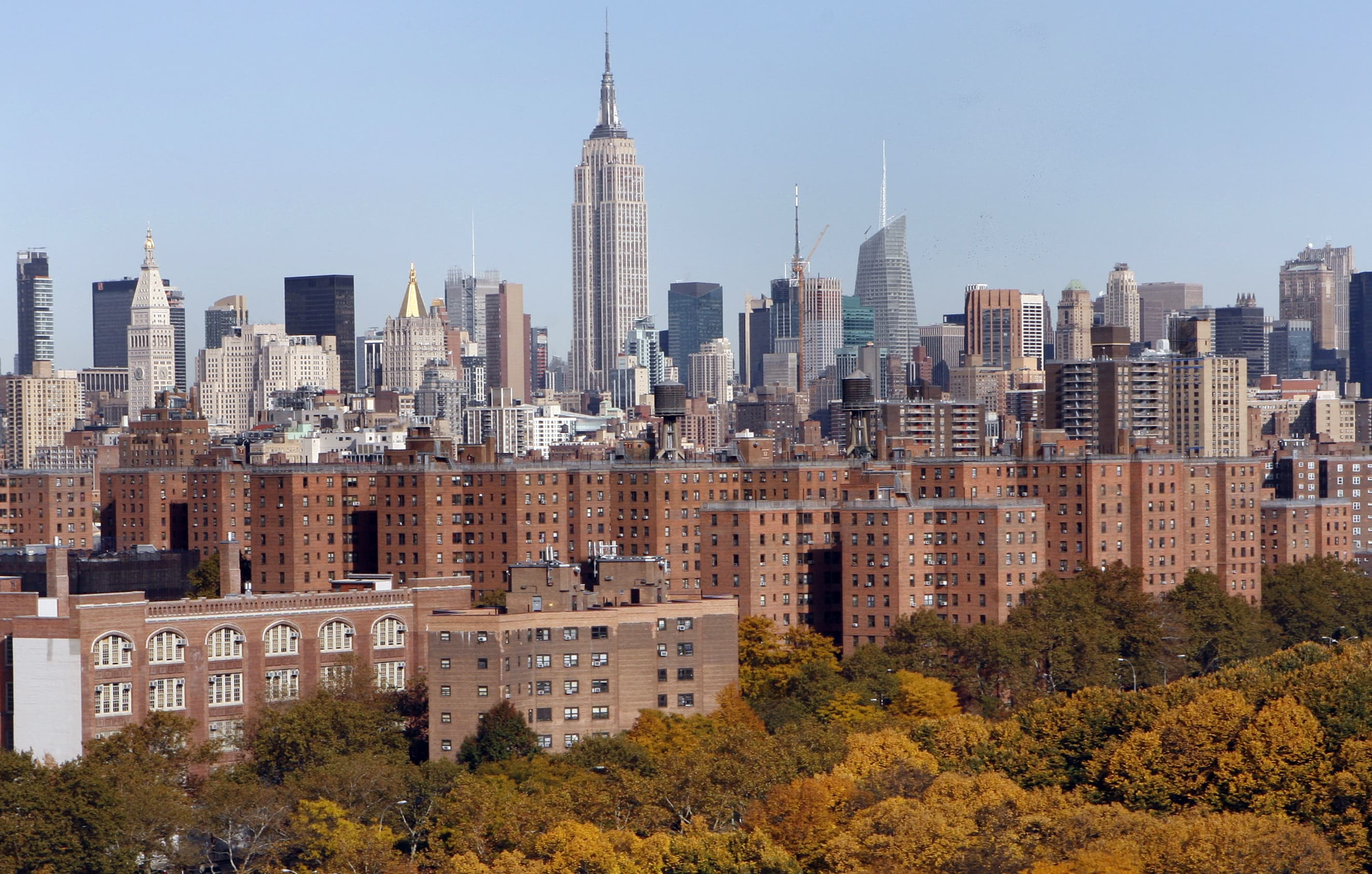 Manhattan apartment contracts fall over 80% in May, Florida surges