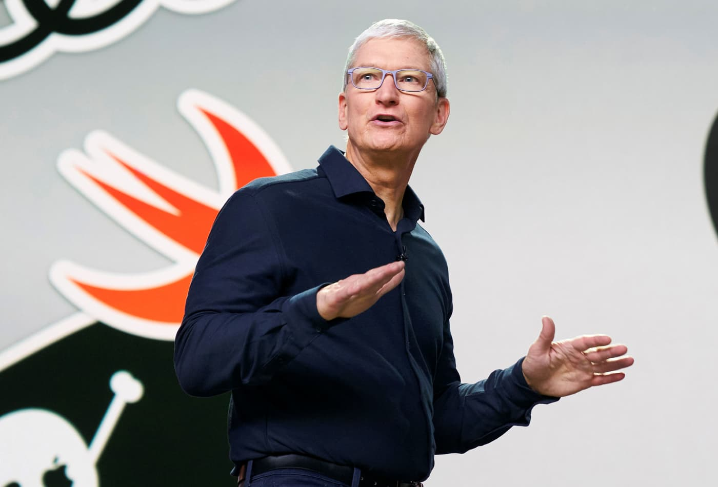 Apple will let iPhone users change default mail and browser apps, addressing antitrust concerns