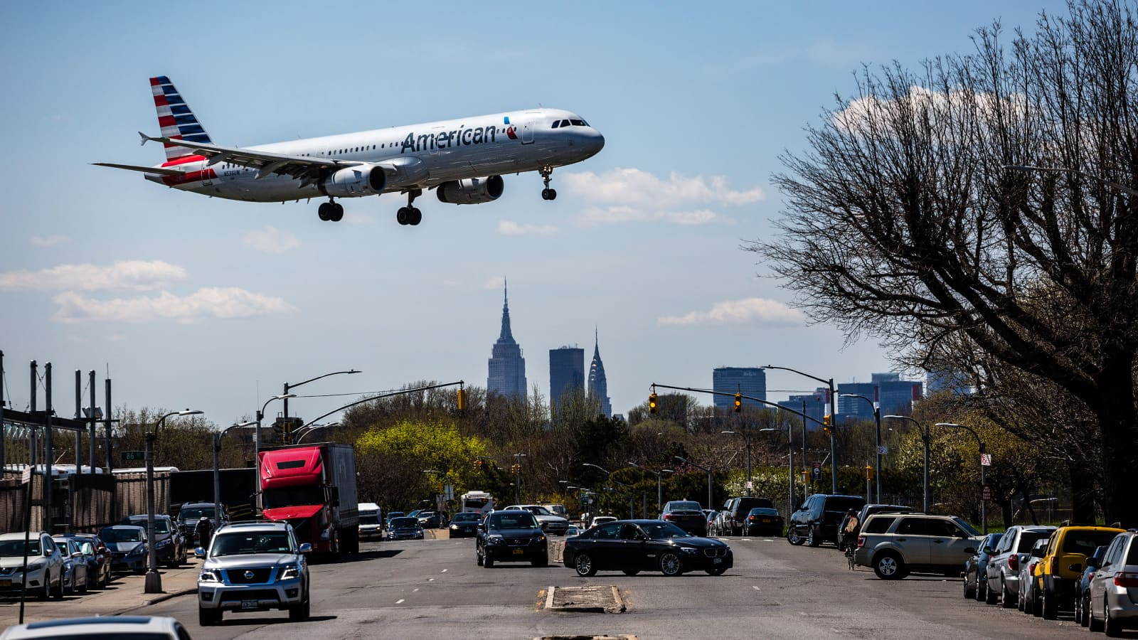Airline shares tumble as New York imposes quarantine, Florida cases spike
