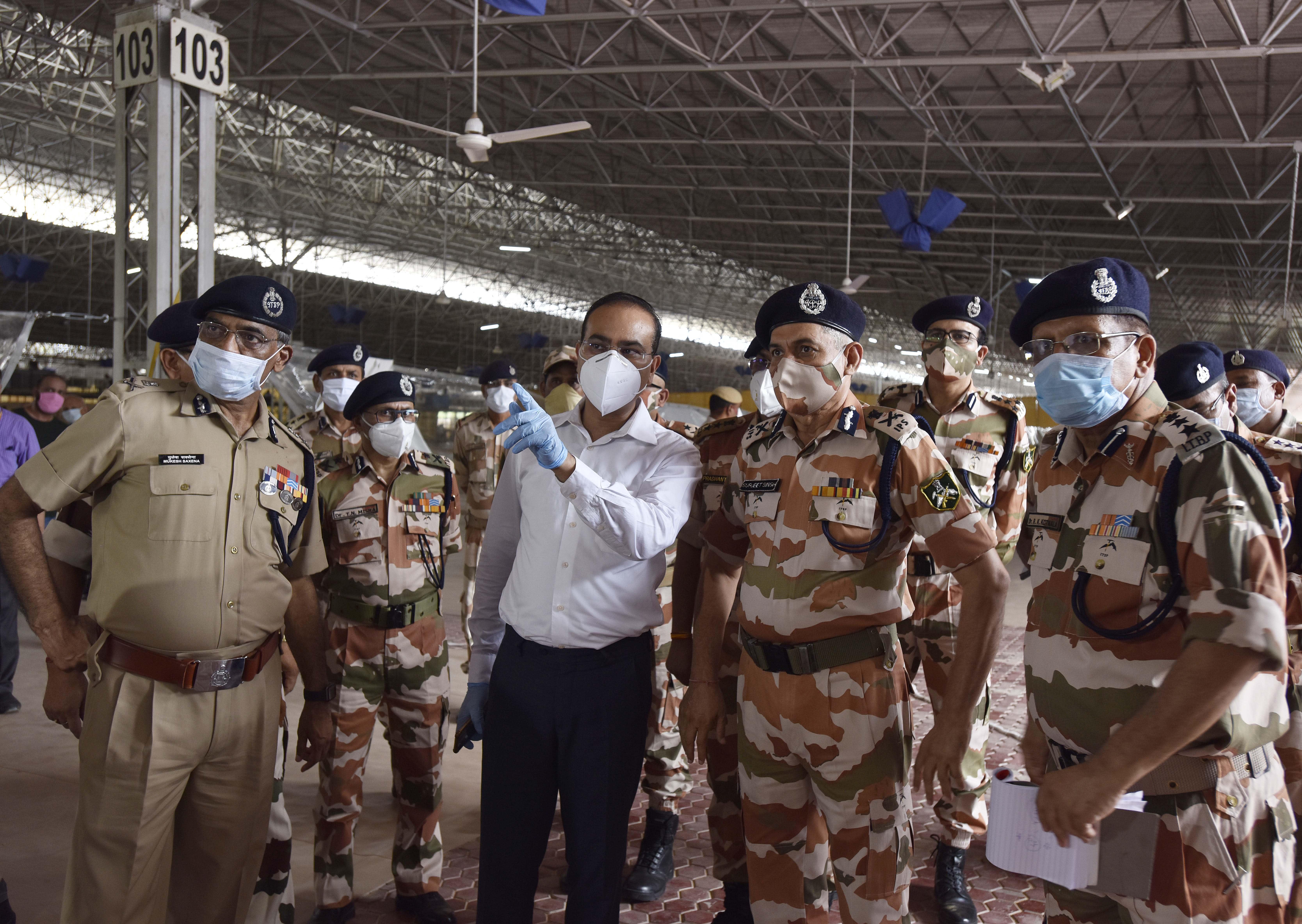 भारत में कोरोनावायरस के मामले बड़े शहरों के रूप में 500,000 को पार कर जाते हैं