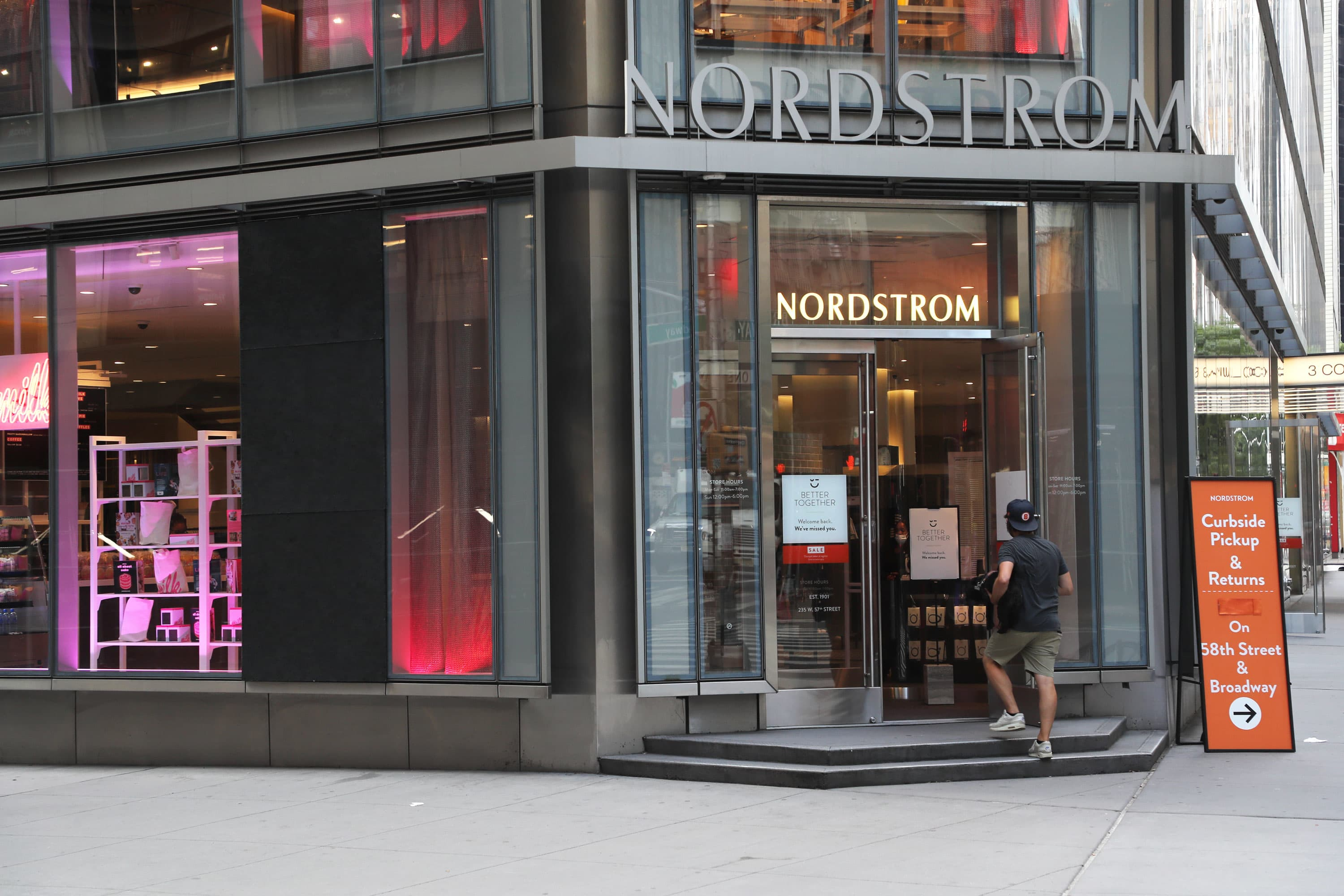 Fashion brands see sales rebounding—eventually. Europe's murky outlook could snag growth - CNBC