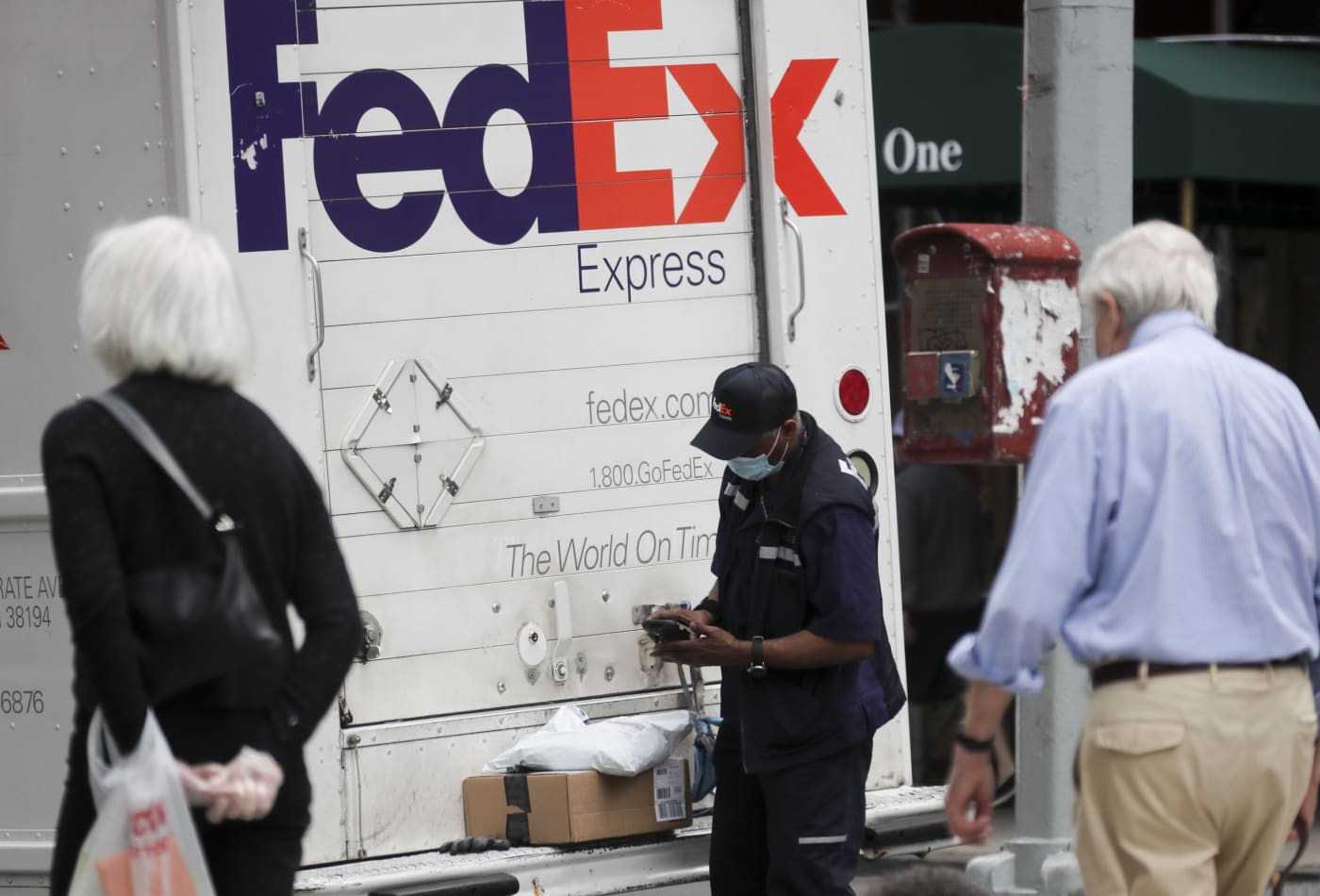 Here's how FedEx shares can double to $500, according to Citi